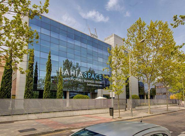 Nos gusta el verano ☀️☀️☀️ . . #BahíaSpace #businesscenter #centrodenegocios #summer #verano #design #Madrid