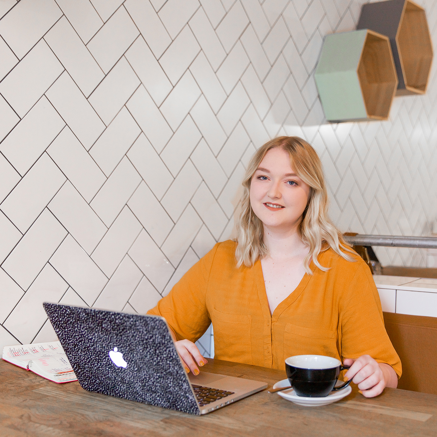 Hi, I'm Cat - Hi, I'm Cat, a creative designer and the host of The Creative Leap. I spend every day of my life working with amazing creative women who have moulded a career out of the hobbies they love and I want to help you do the same thing.