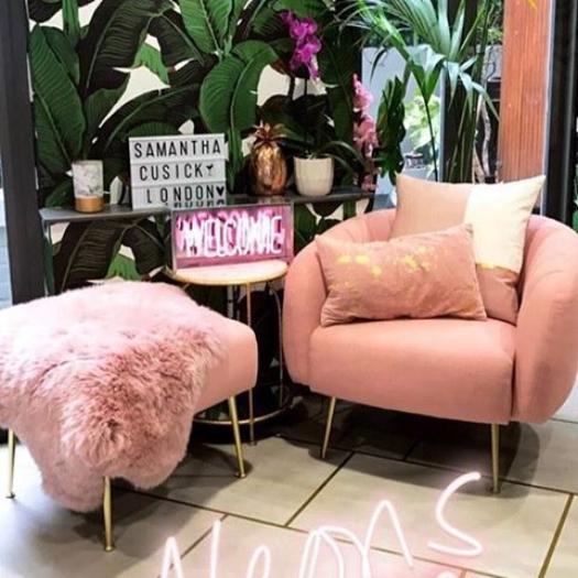 Glamoros+chair.jpeg