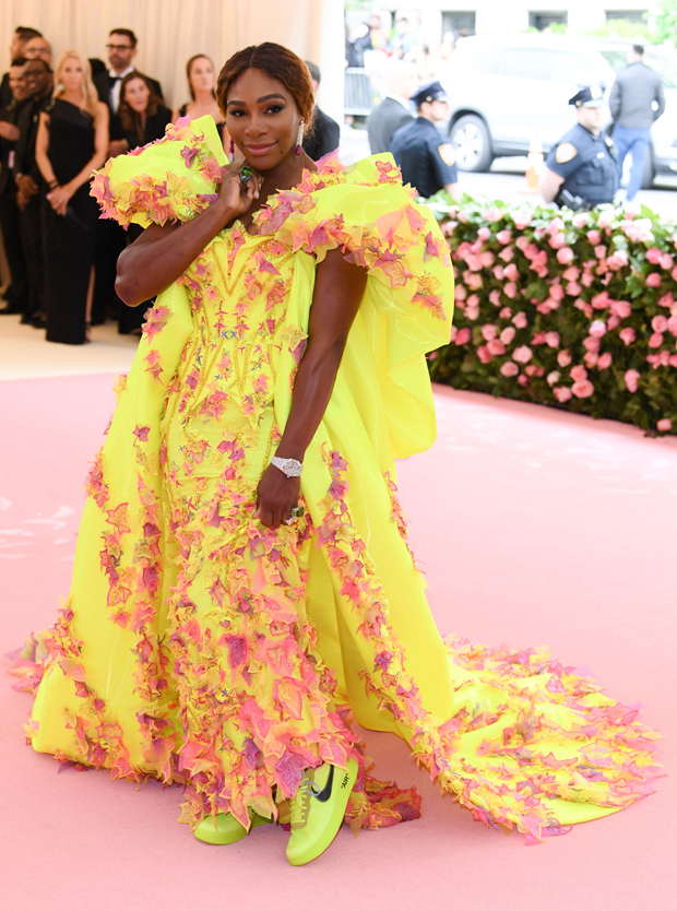 Serena in Versace and Nike X Off-White (Photo Credit: Getty Images)