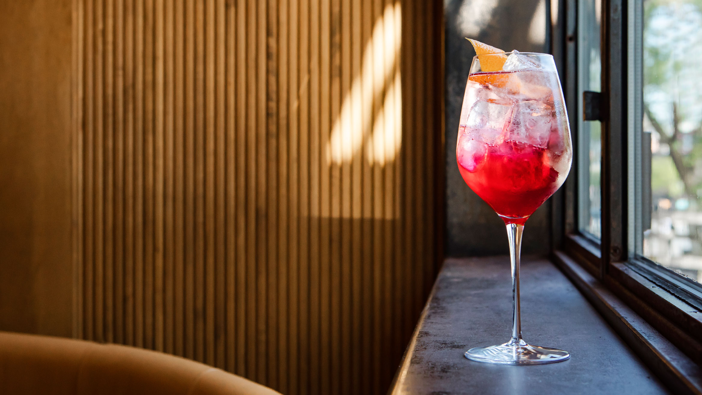 Article2-Ultimate-Best-Italian-Aperol-Spritz-Cocktail-Recipe.jpg