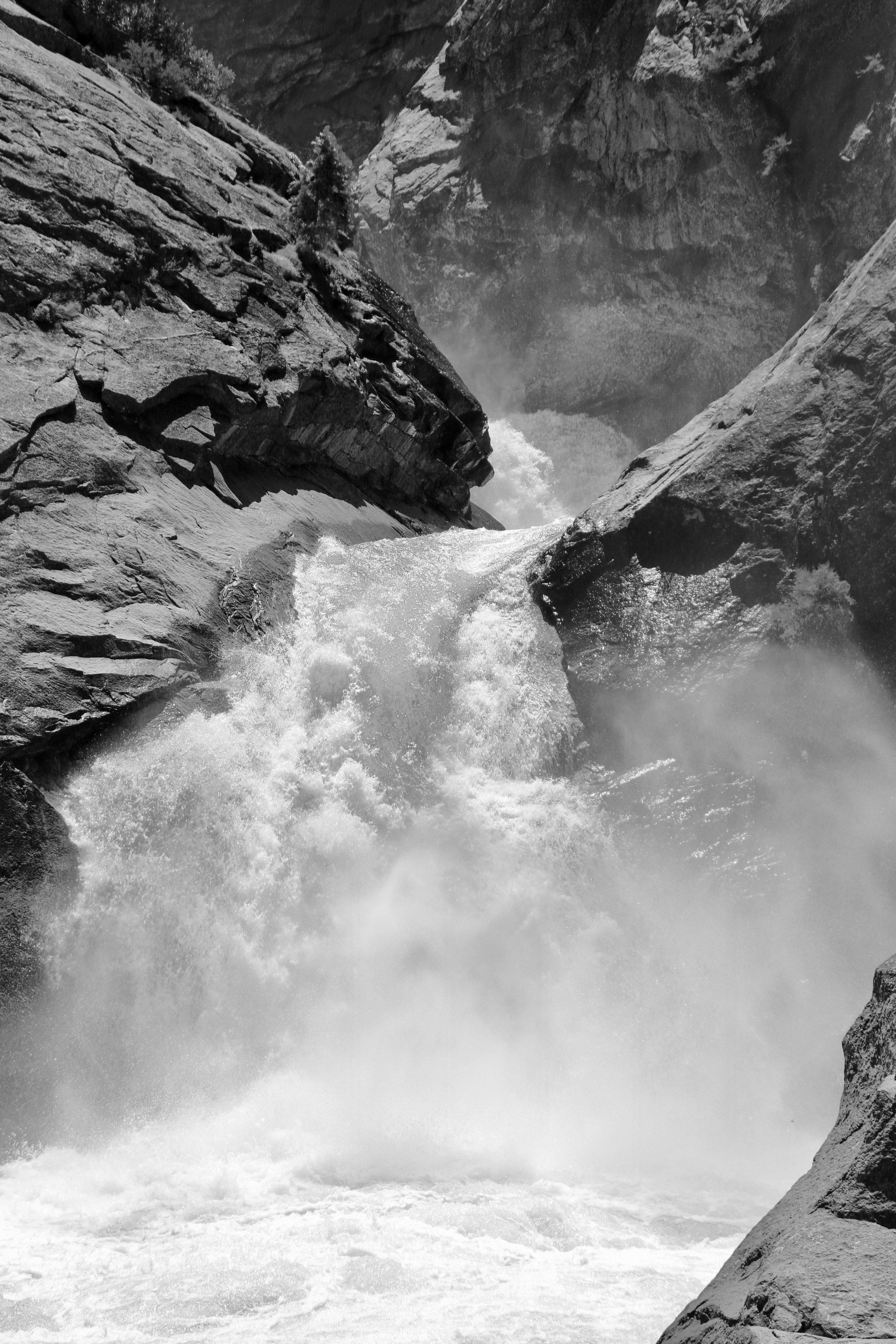 Roaring River Falls - King's Canyon