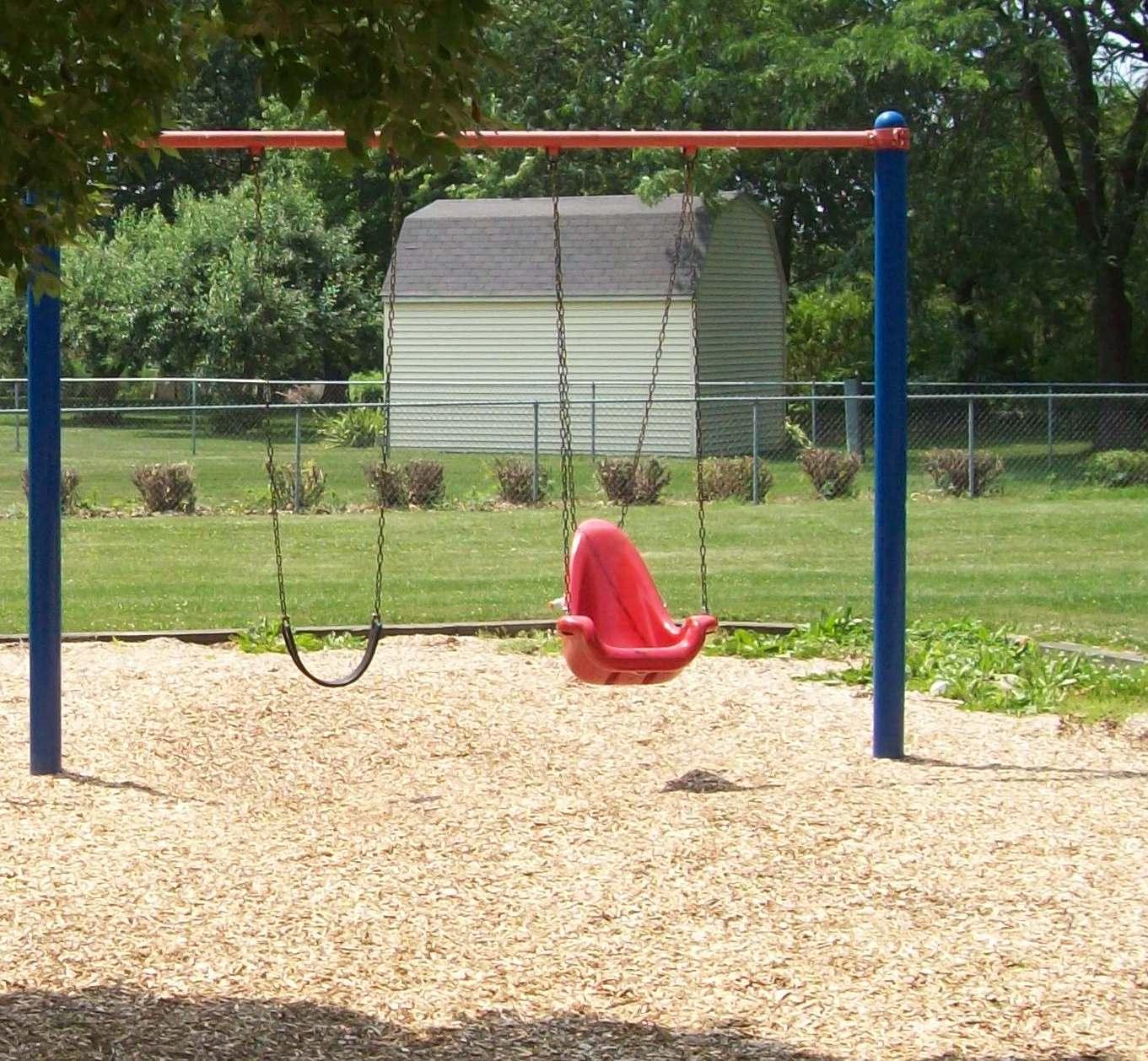 Accessible_Swing_at_Mariposa.jpg