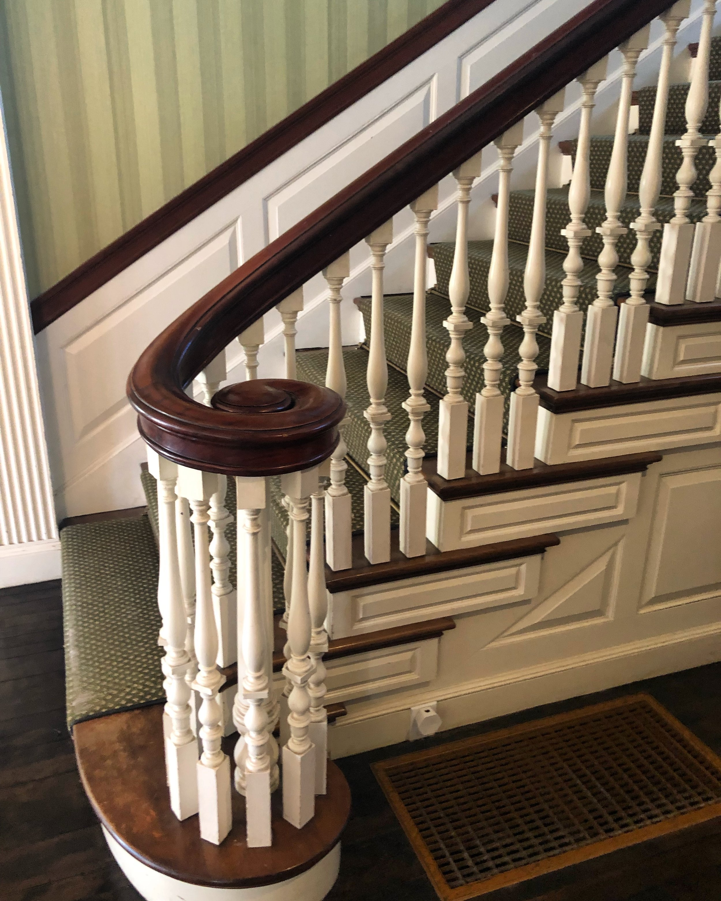 Seeing stairs in quality condition is one of our specialties.