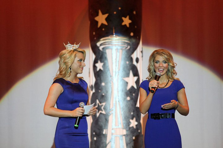miss washington 2011 on stage question.jpg