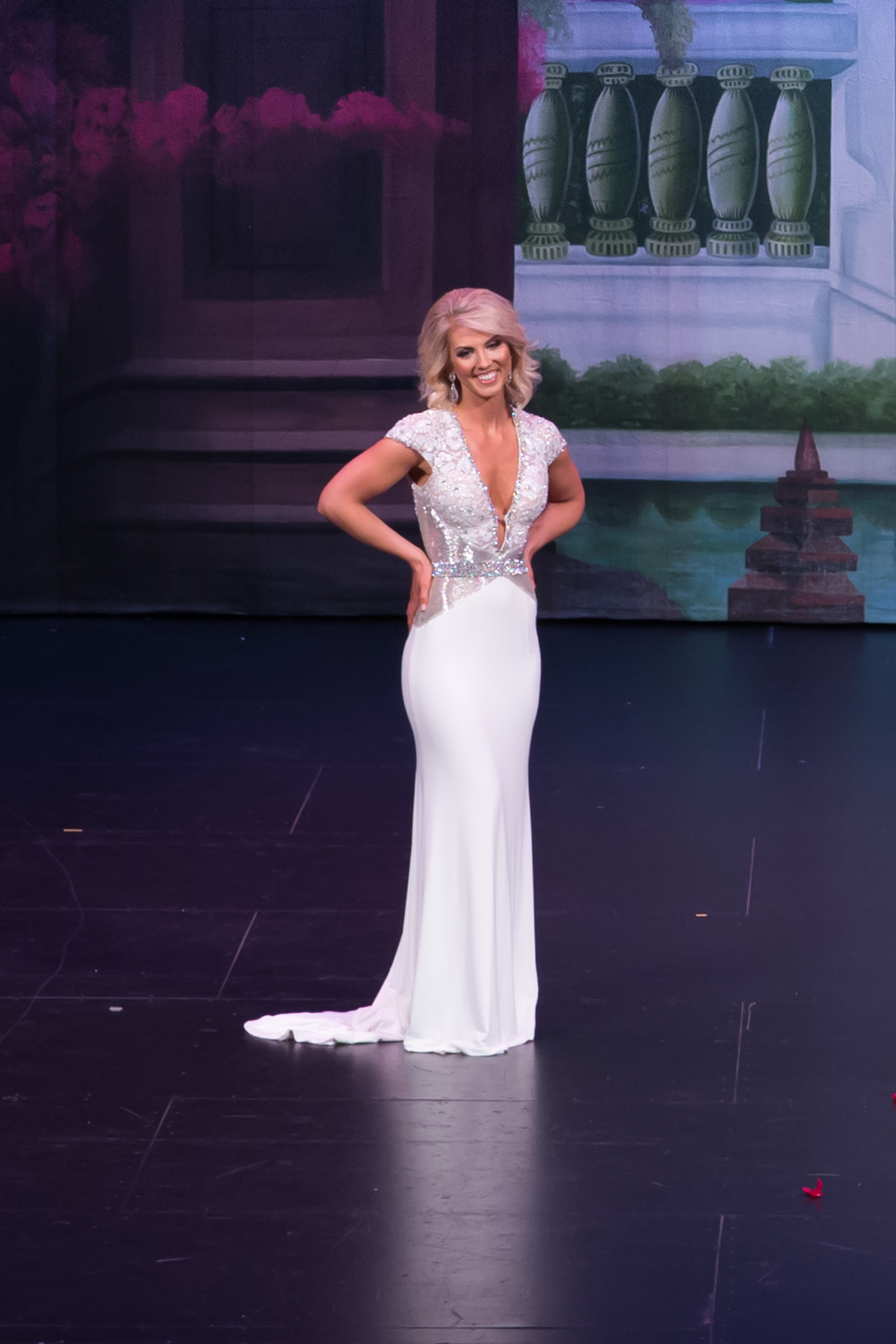 Mrs. Washington America 2017 Stage-61.jpg