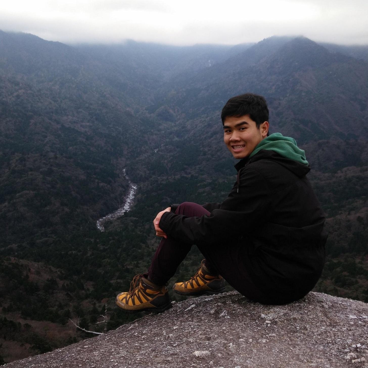 Suchat (Tem) Niha Design Fellow    Design Thinking, Field Research, Facilitation