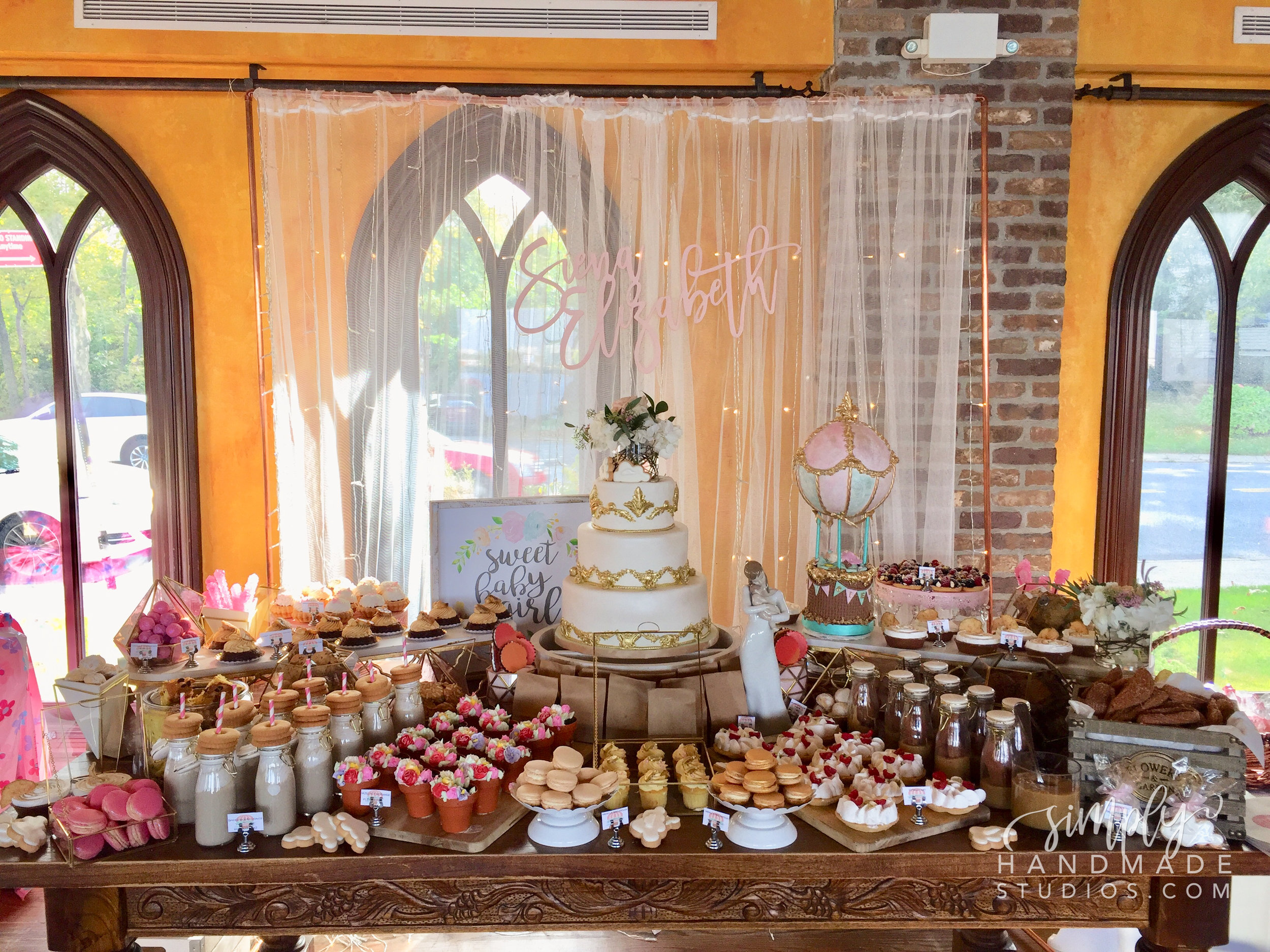 Isn't this cake table stunning? Check out Bruno's Bakery & Restaurant (@brunosnyc) if you're in the NYC area! Their food is a-mazing!