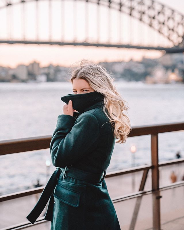 I've been in denial for quite some time, but the Winter wardrobe is officially out and into high rotation. How good are thermals? Pretty much the only thing, along with my coats, knits & hot chocolates keeping me cosy/sane. • • • #ablondieabroad #sydney #australia #travel #travelblogger #stayandwander #visitnsw #visitsydney #exploremore #travelguide #blogger #openmyworld #borntotravel #travelandleisure #traveldreamescape #thetraveltag #winterinsydney #sydneyharbourbridge #ajethelabel #ootd #sheisnotlost #femmetravel #winterfashion