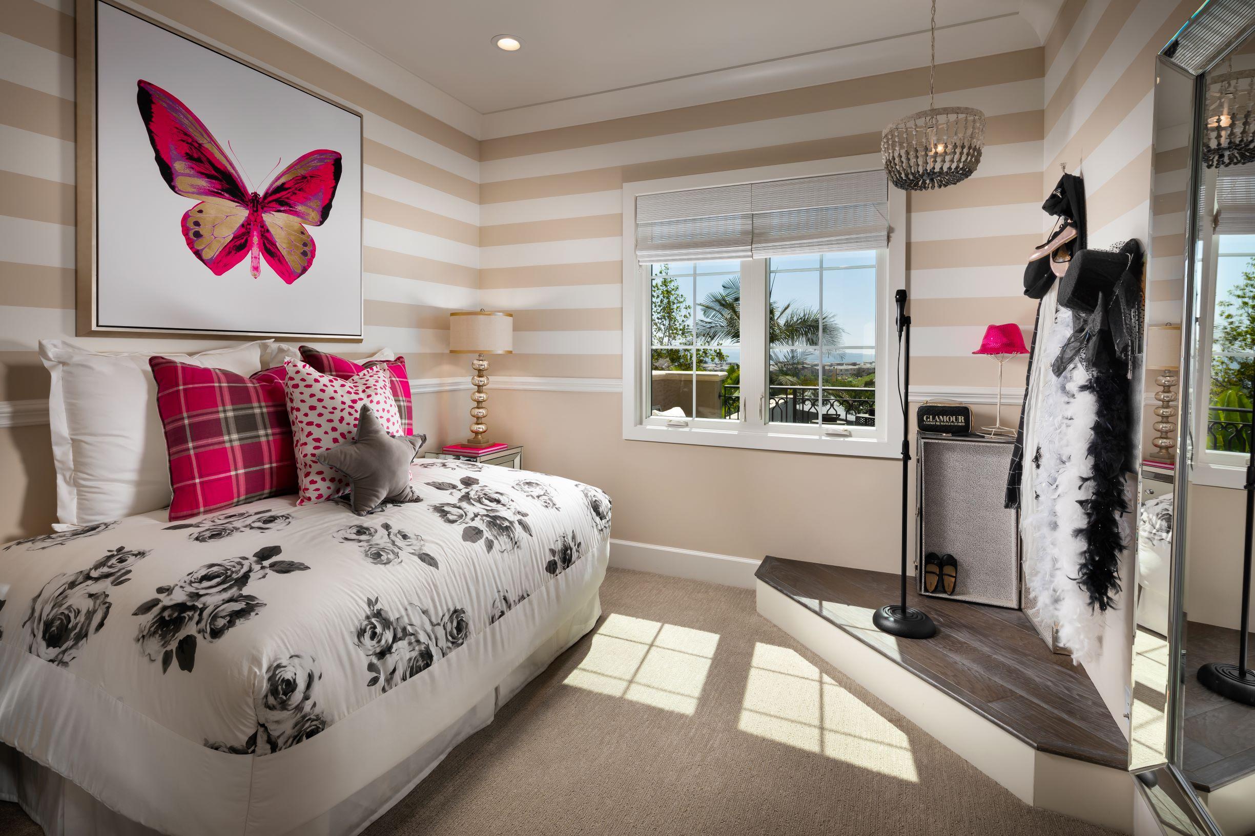 16-Meridian-Atlas_Girls Bedroom.jpg