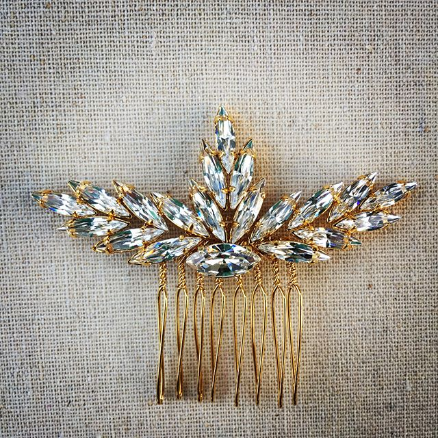 A custom made @swarovski crystal and gold #bridal comb for Kyla getting married this weekend. Swipe left to see the necklace and earrings she will be wearing. I can't wait to see the pictures, her dress is ah-maz-zing!!! #bride #weddinghair #hairaccessories #bridalhair #theknot #instabride #bridaljewelry #bridal #weddingaccessories #bridalcomb #weddingjewelry #amour_jewelry_accessories #theweddingstandard #centralcoastweddings #custombridaljewelry #borrowedandblue