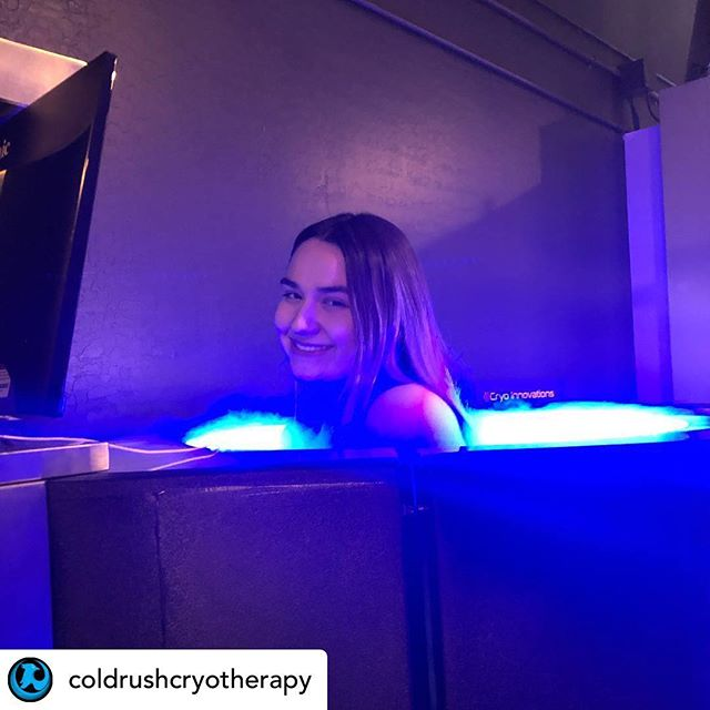 • @coldrushcryotherapy Chillin 🥶  Buy 1 Session, Get 1 Free! 🙌🏽🥶 #cryotherapy #cryo #cryoinnovations #coldrushcryotherapy #embassytanningsalon #embassytanningandcryotherapy #feelinggreat #weightloss #fitness #recovery #antiaging #cryotherapy #wholebodycryotherapy #cryotherapychamber