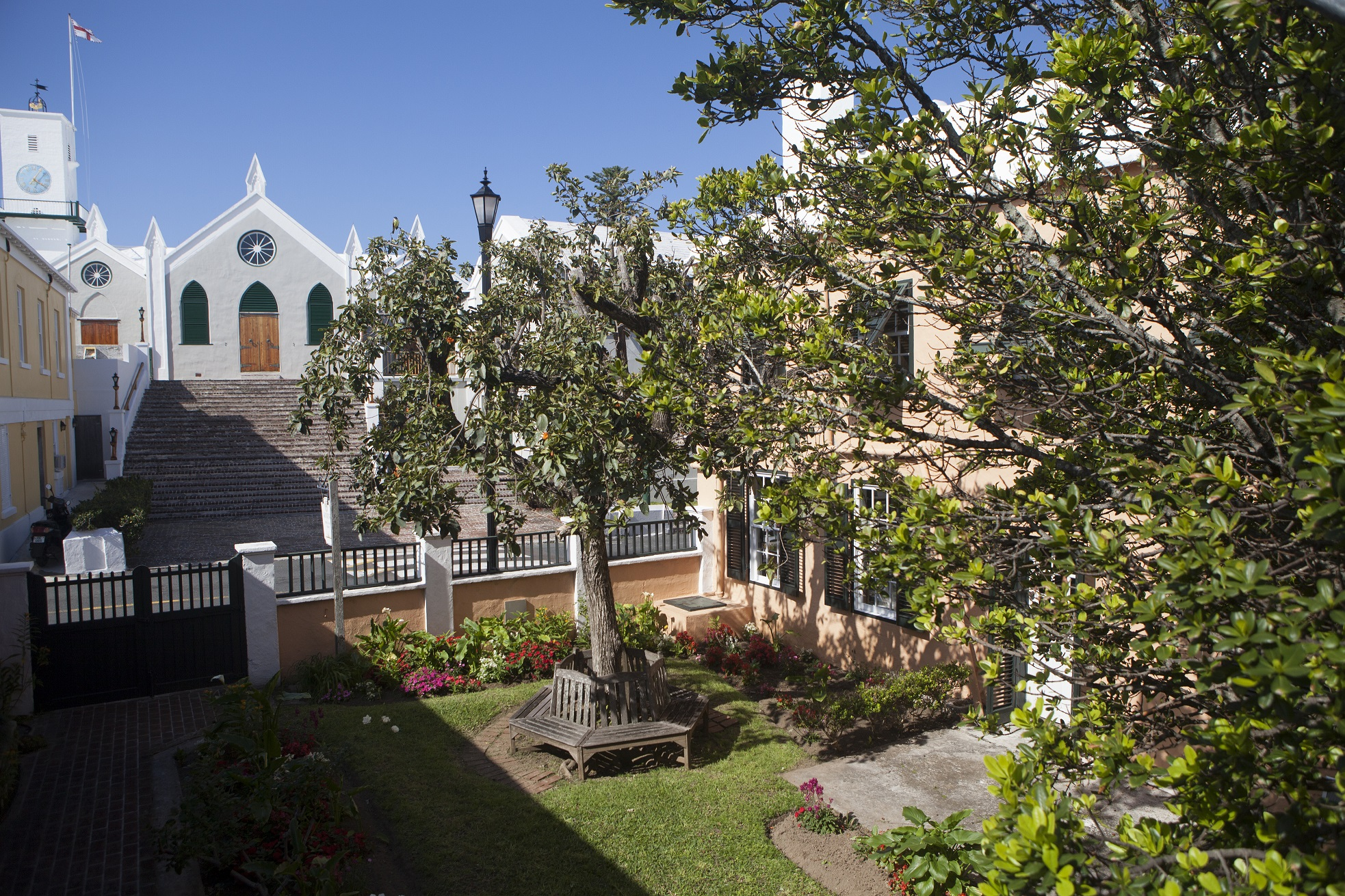 St Peter's Church and the garden of the Globe Hotel.