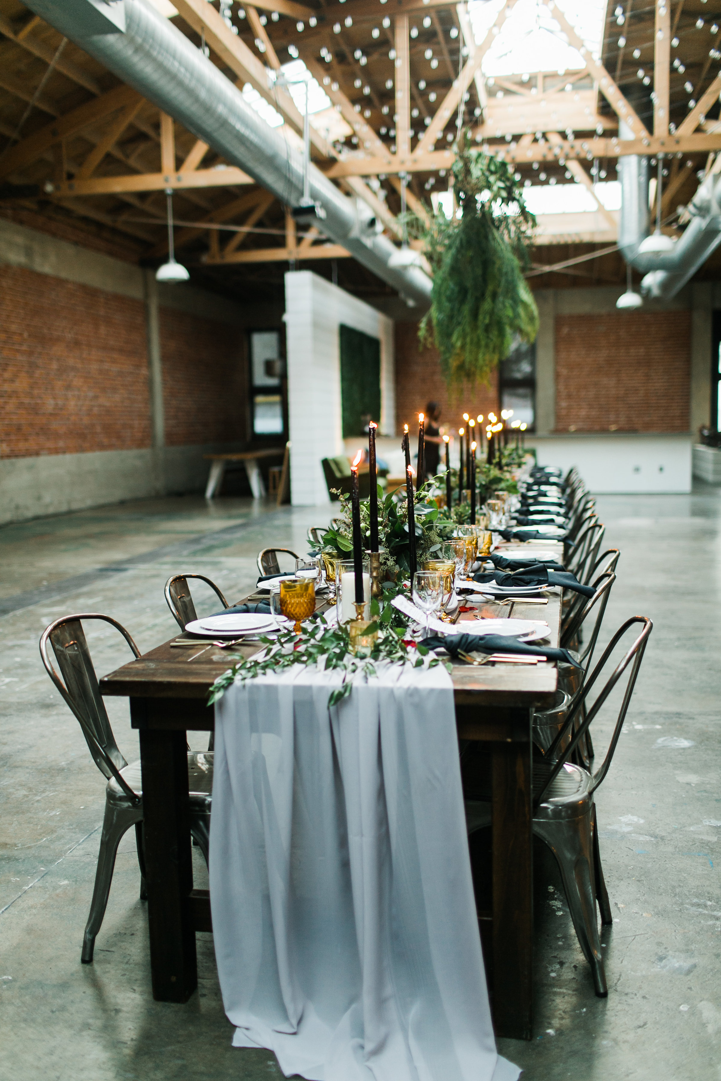 A PRIVATE DINNER PARTY FOR 30 GUESTS. -