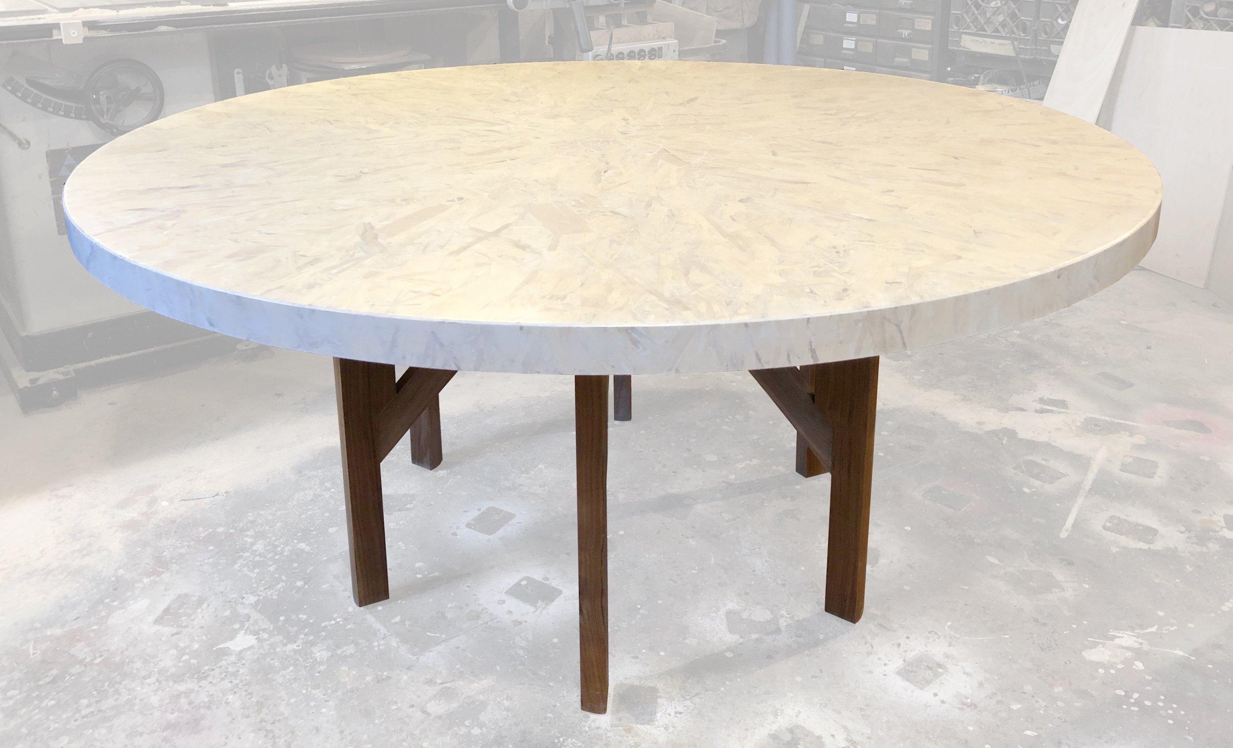 round_dining_table.jpg