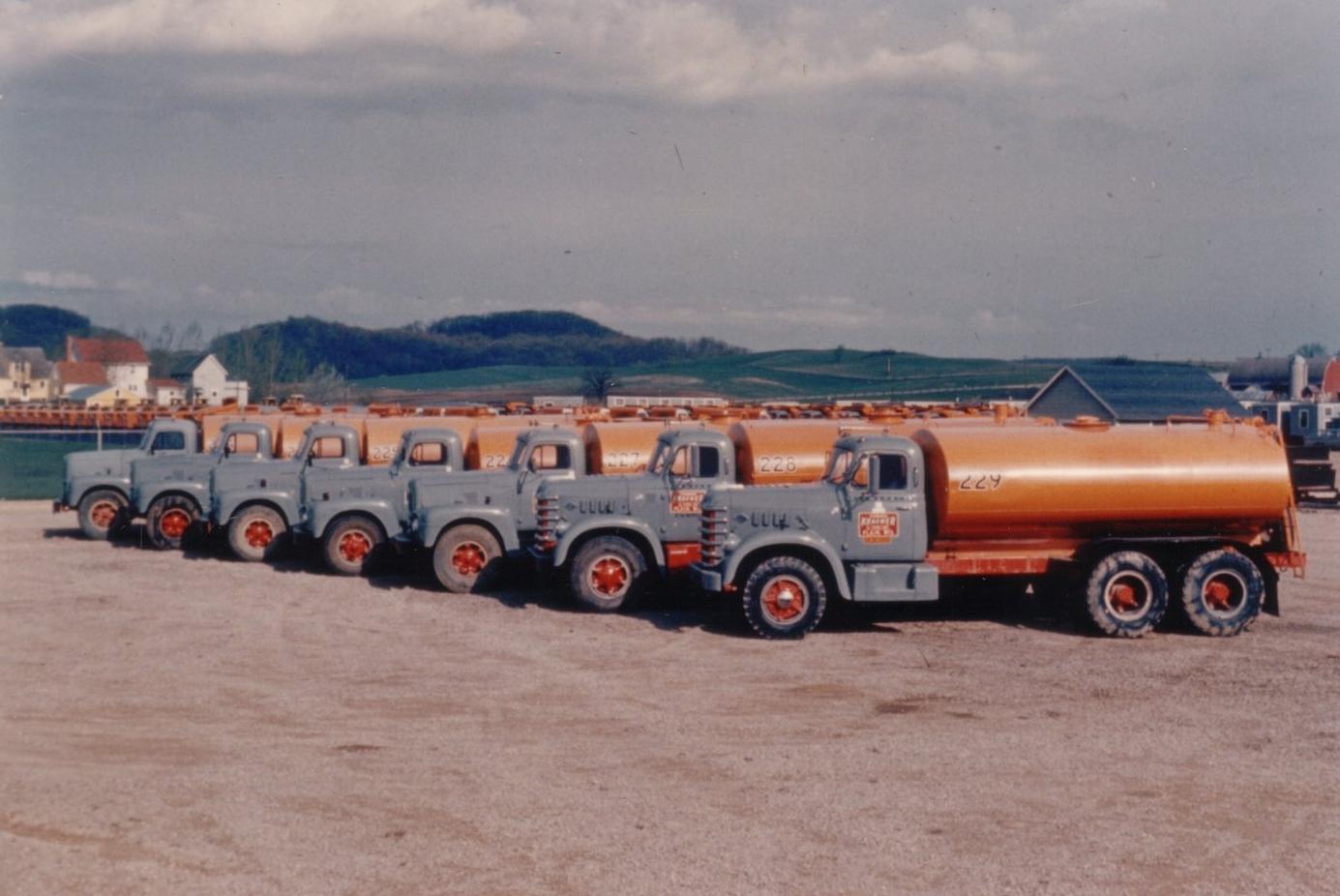 10-Water trucks built in EKS shops.jpg