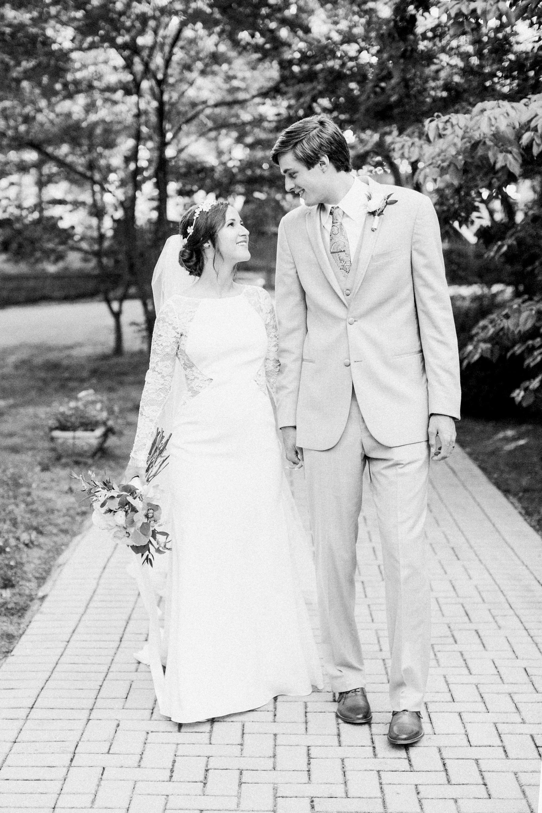 Tarp-Chapel-Tulsa-Oklahoma-Wedding-Photographer_0535.jpg