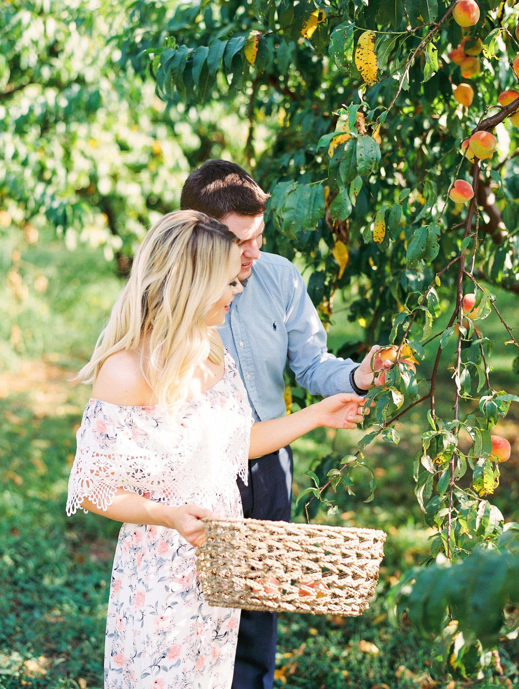 Peach-Orchard-Engagement-Session-Arkansas_0001.jpg