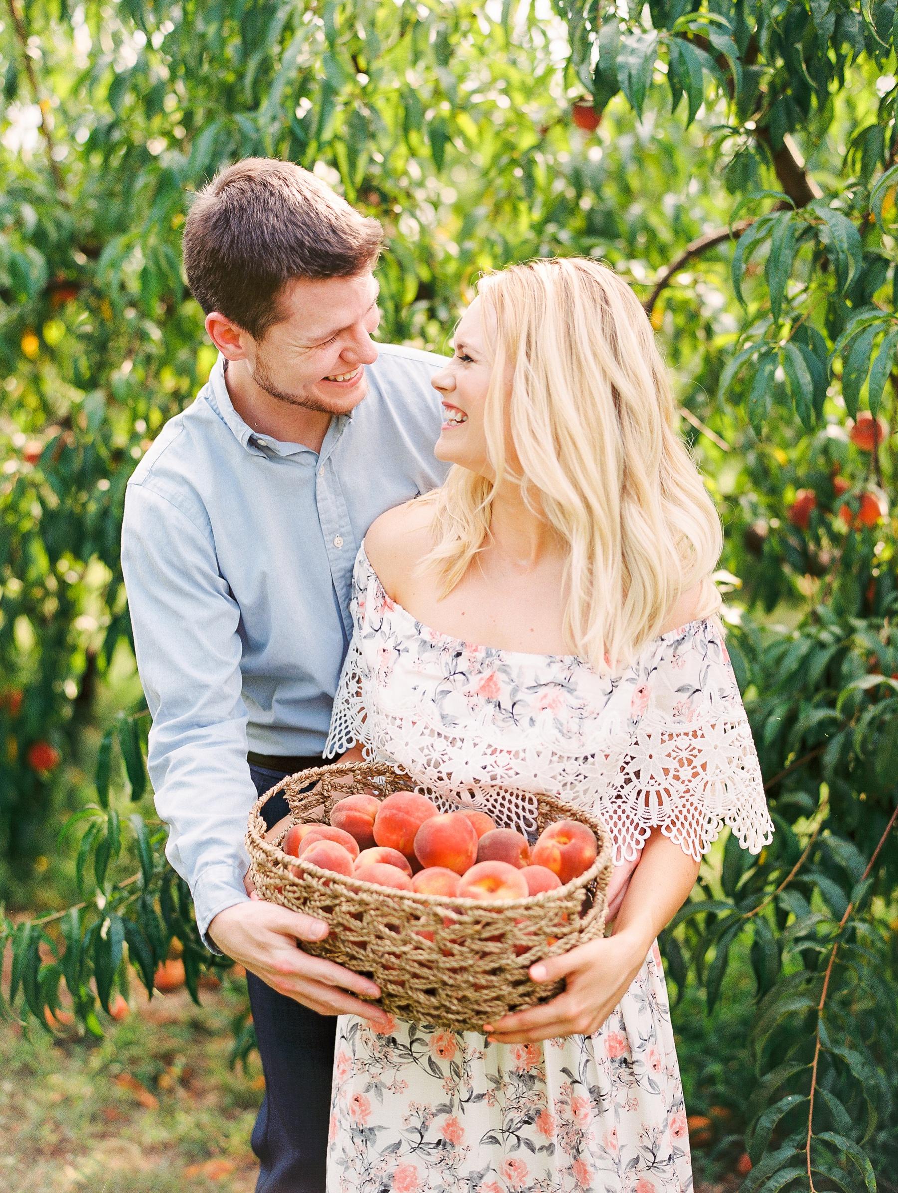 Peach-Orchard-Engagement-Session-Arkansas_0016.jpg