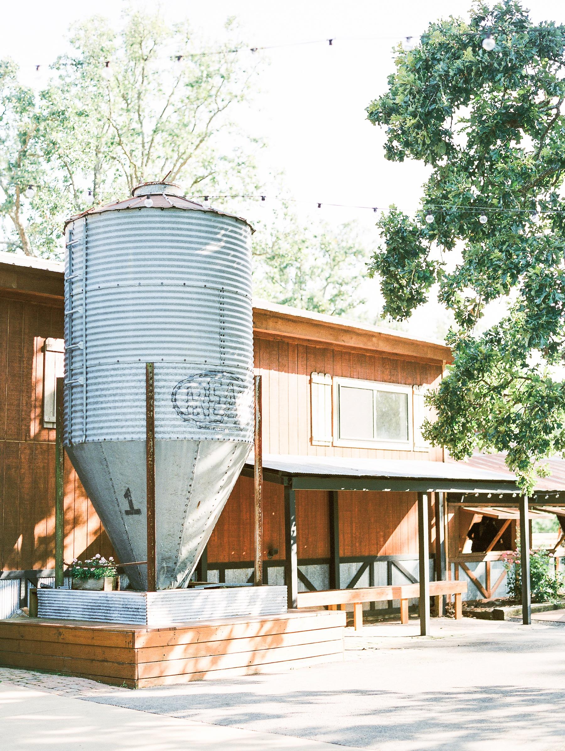Barn at The Springs Wedding Arkansas Photographer_0377.jpg
