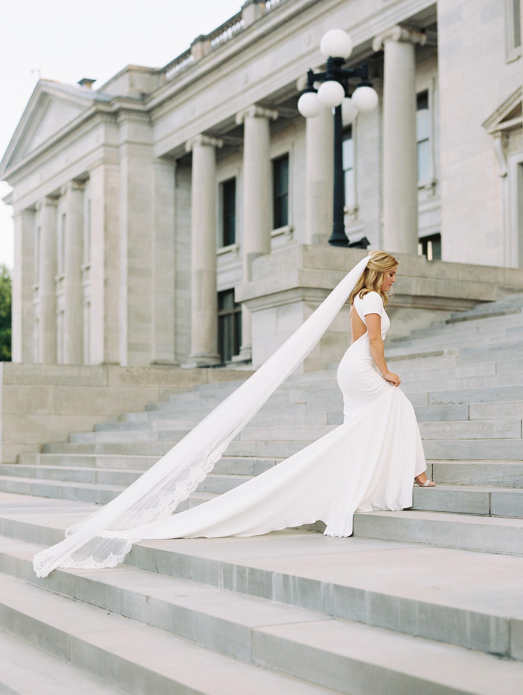 Arkansas Capitol Building Bridals Wedding Photographer_0106.jpg