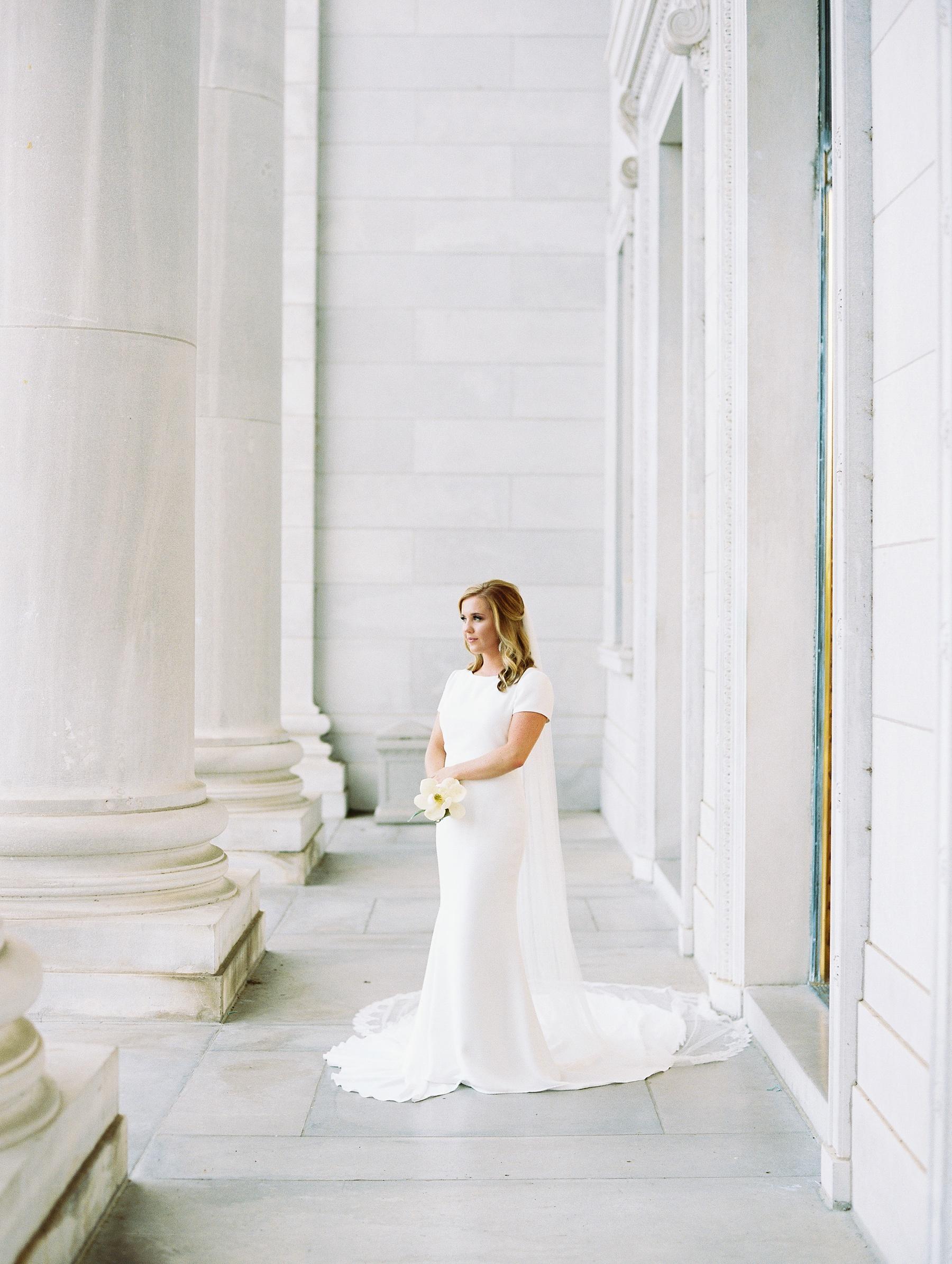 Arkansas Capitol Building Bridals Wedding Photographer_0108.jpg
