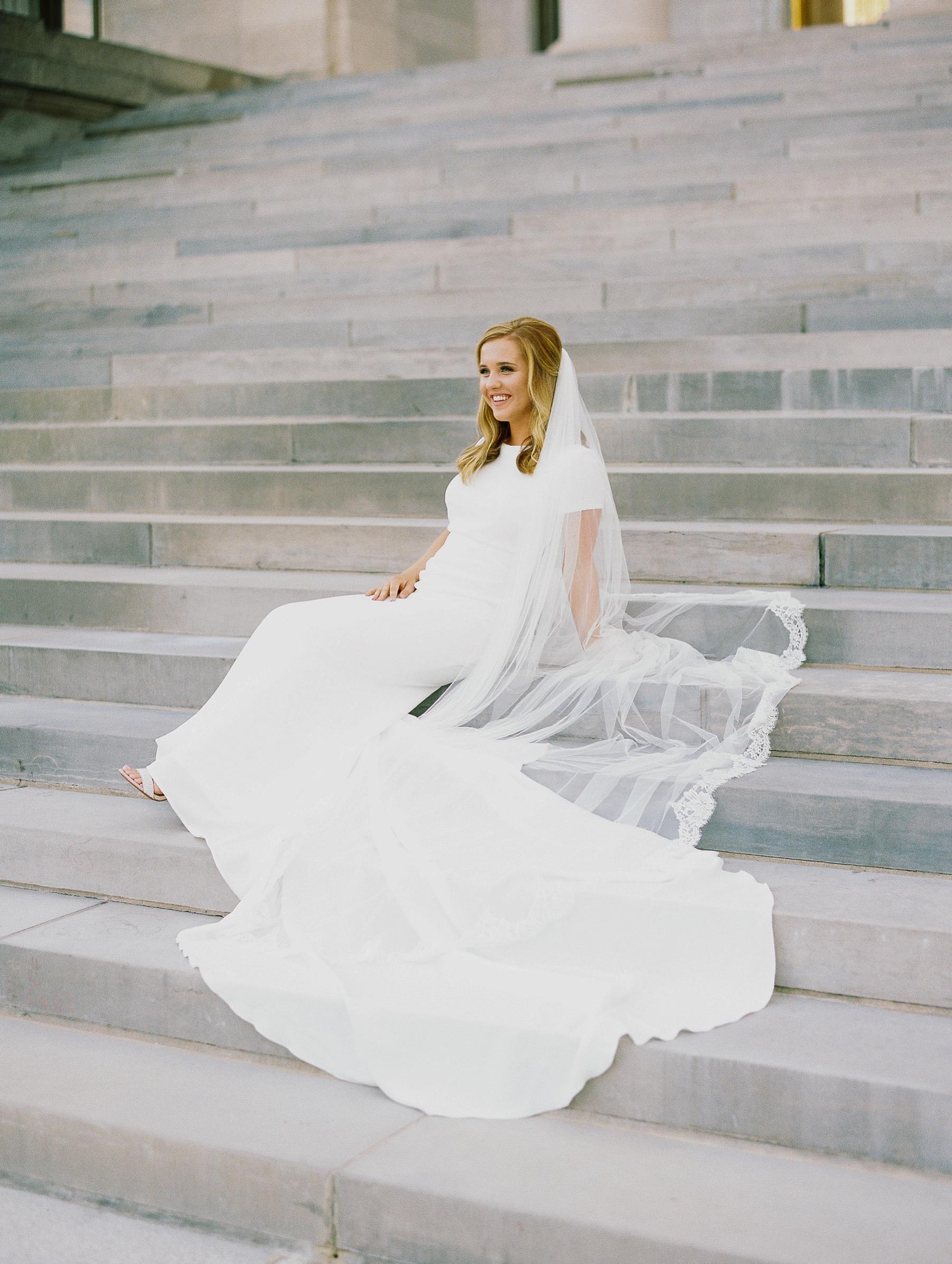 Arkansas Capitol Building Bridals Wedding Photographer_0112.jpg