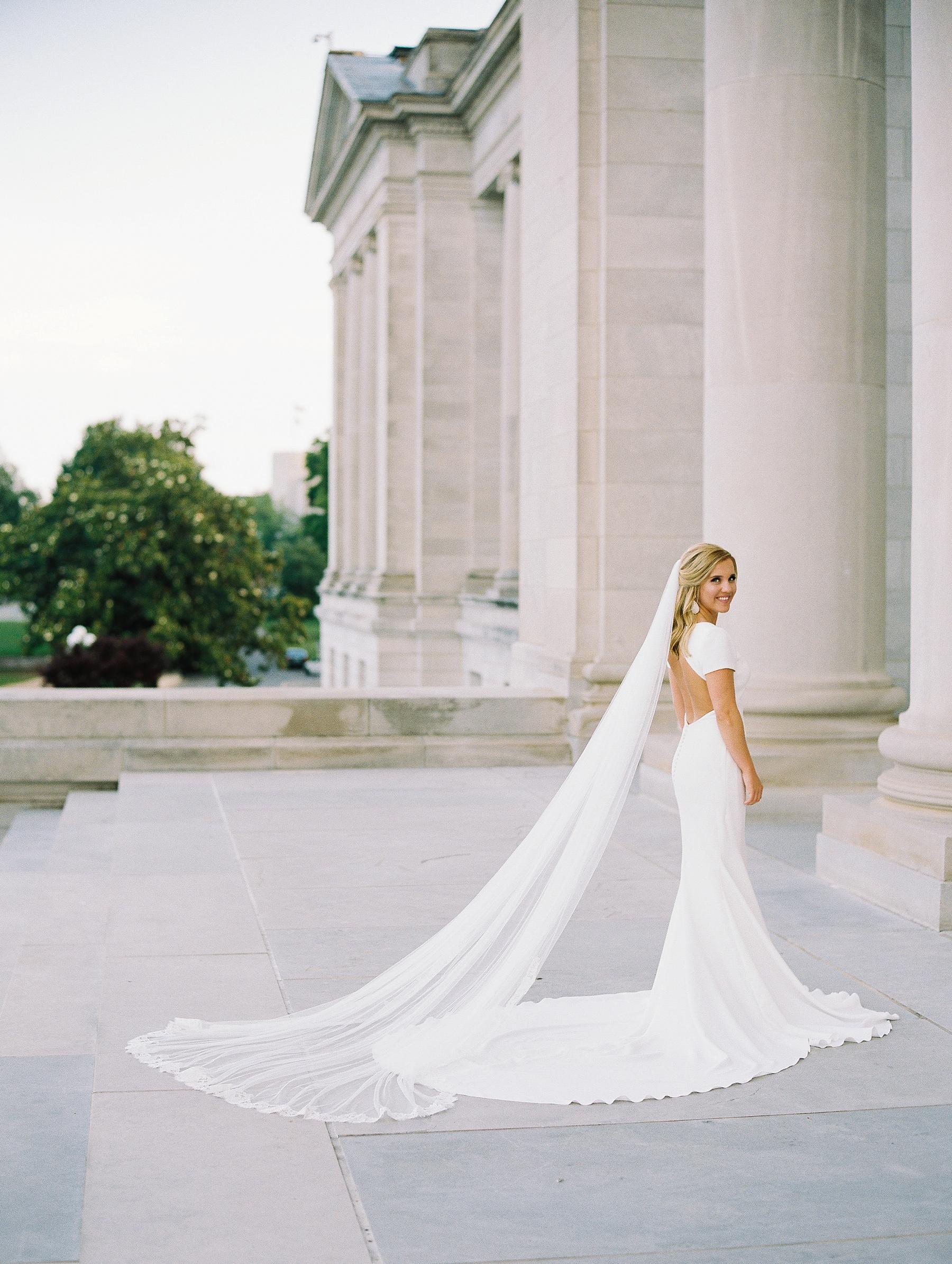 Arkansas Capitol Building Bridals Wedding Photographer_0114.jpg