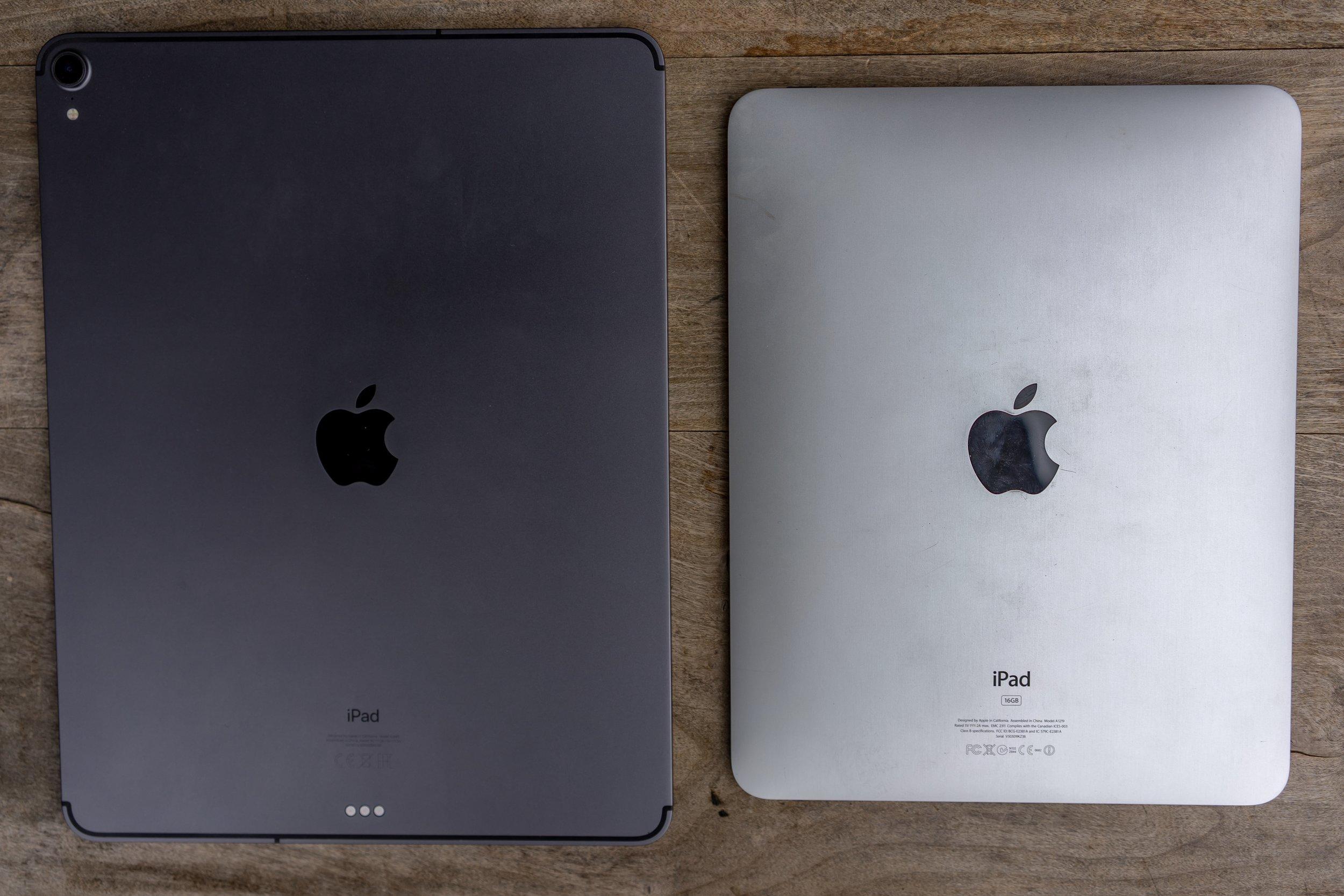 iPad Pro 12,9 (2018) and the original iPad
