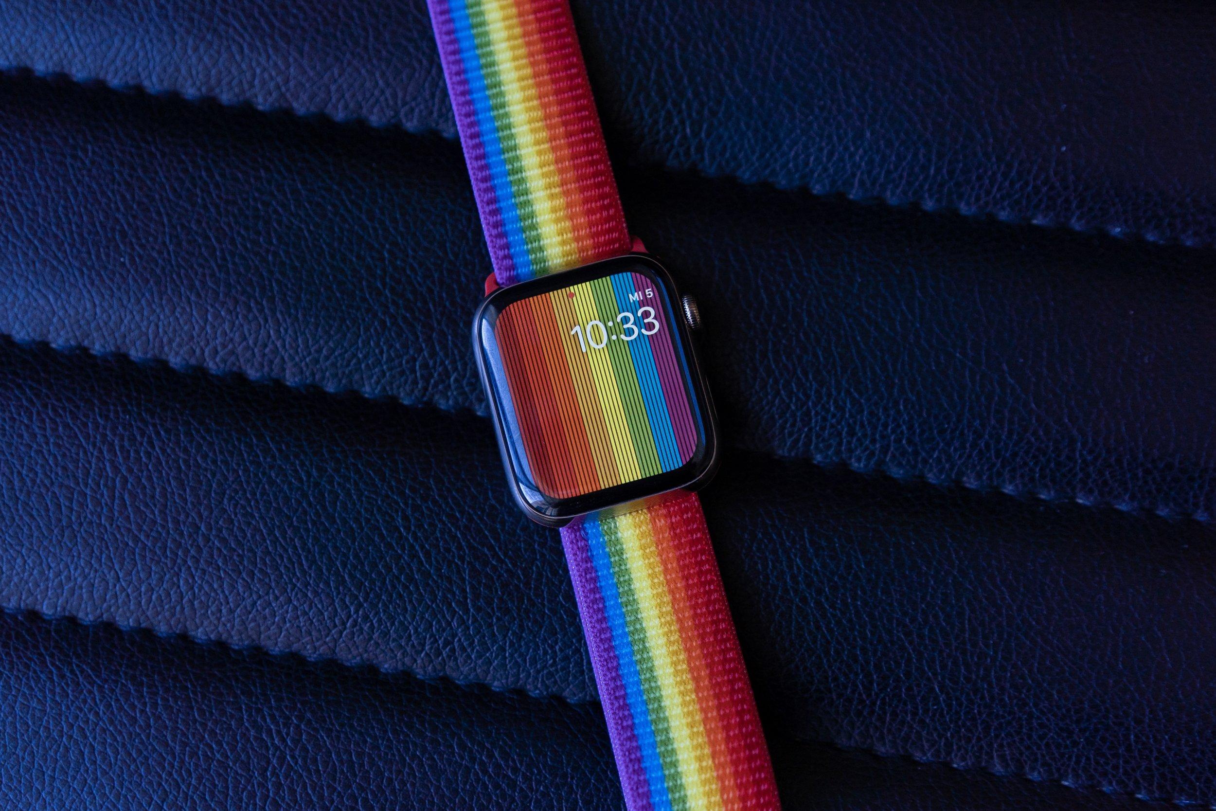watchOS6-watchface-pride-band-zei.jpg