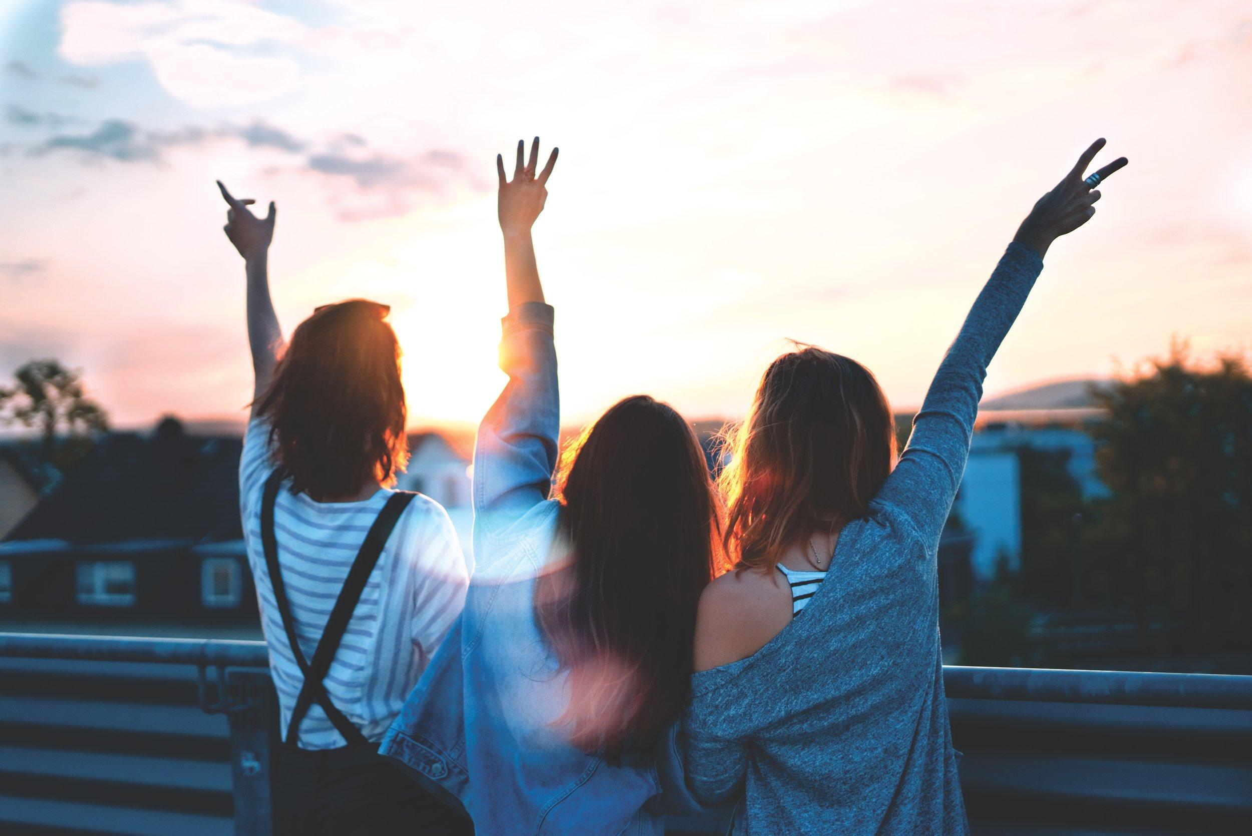La Fondation Tourisme Jeunesse fait la promotion du voyage auprès des jeunes afin de les encourager à réaliser des projets contribuant à leur développement personnel et professionnel.