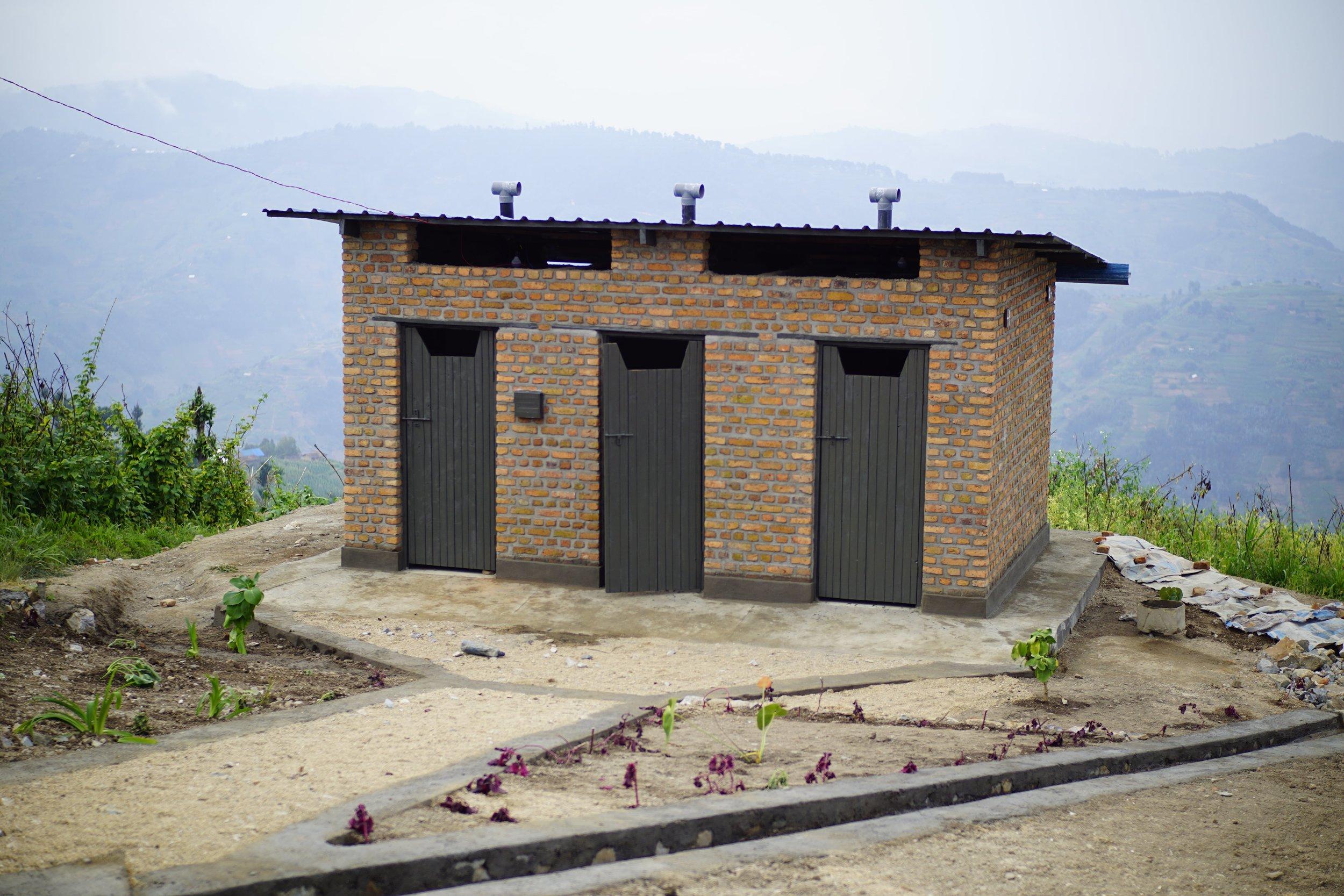 Outhouses_Testimony PRÉCI_Youth Travel Foundation