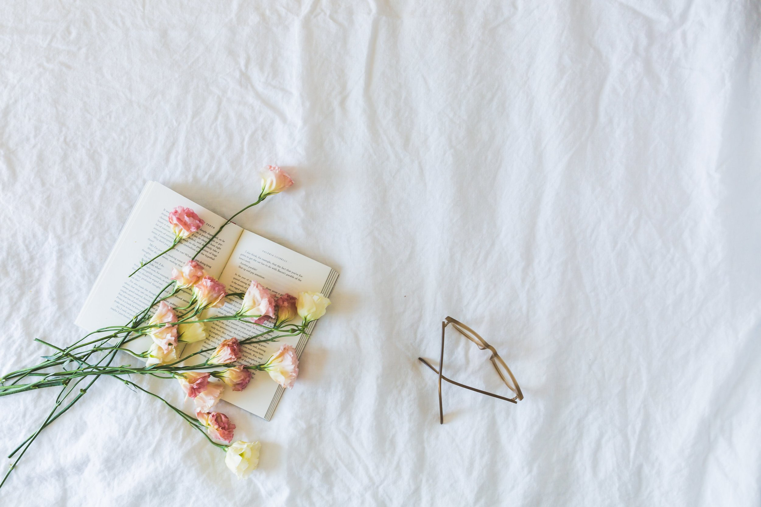book-flowers-glasses-flatlay_4460x4460.jpg