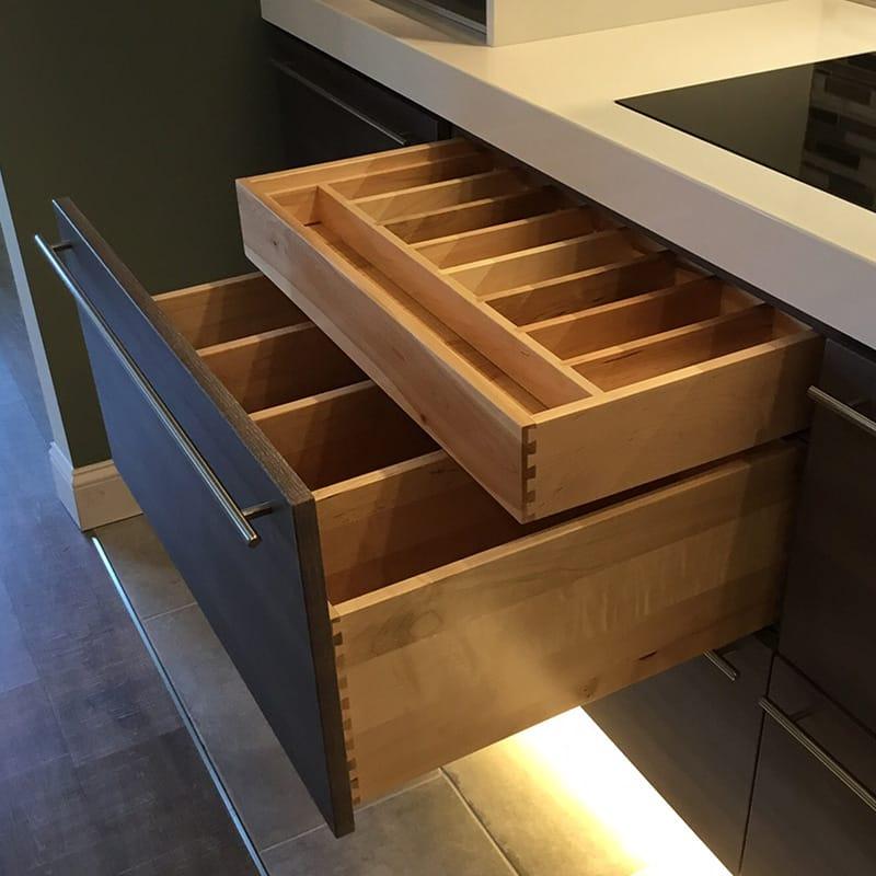 Divided_drawer_800.jpg