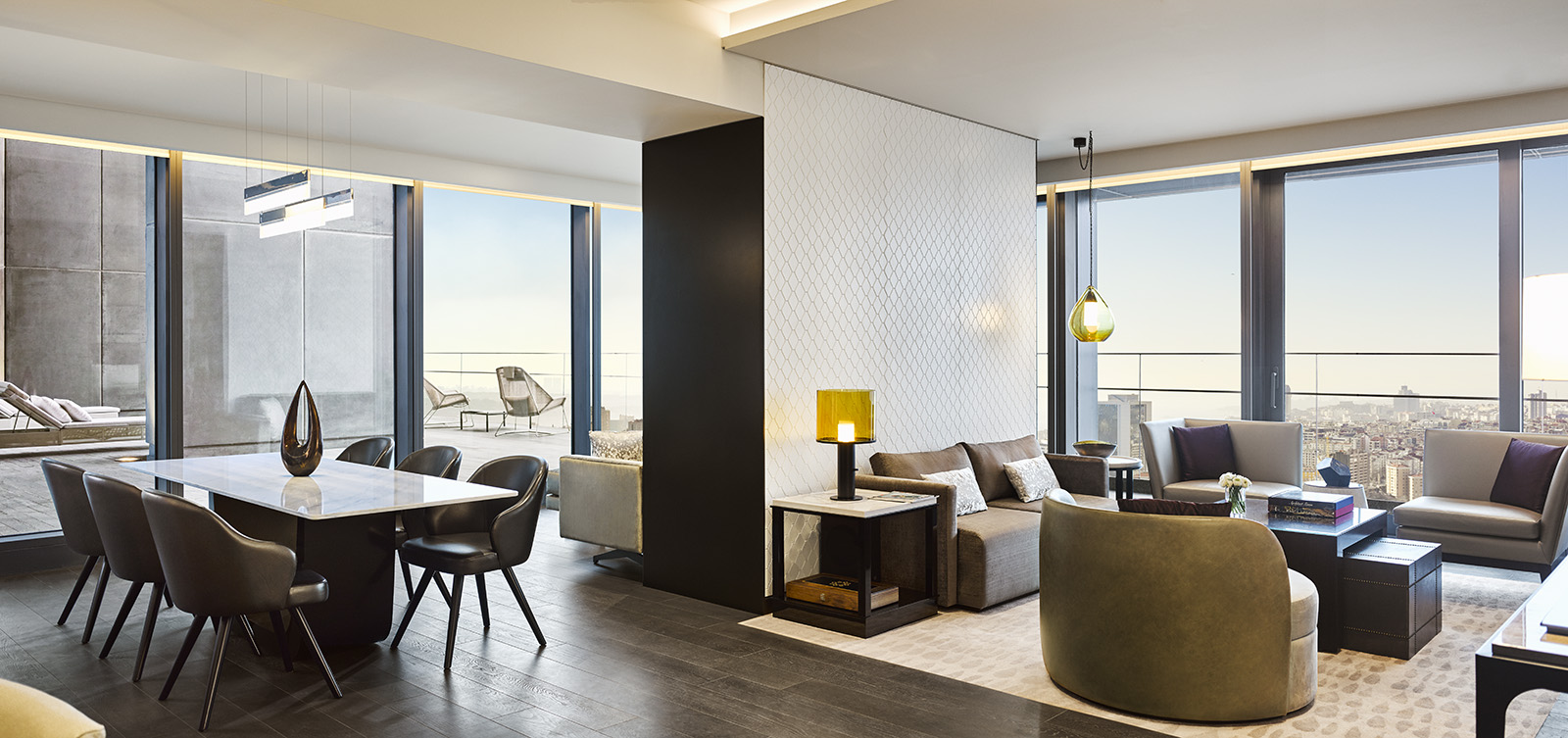 Serviced apartments also contain an owner's club lounge, which is set in one of the hotel's sky gardens. This exclusive retreat has both water and fire features, which create a balanced, Zen retreat for the owners.