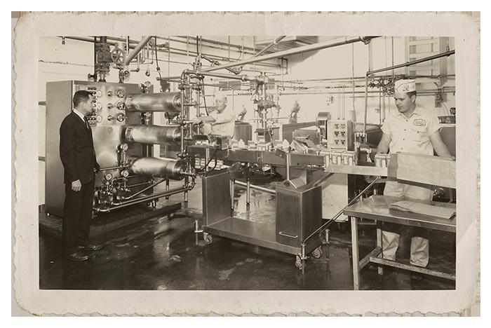 albert+in+the+factory.png
