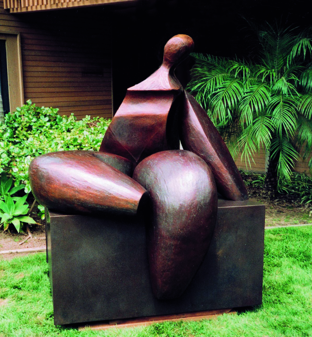"Robert Holmes - ""Seated Figure IV"" bronze"