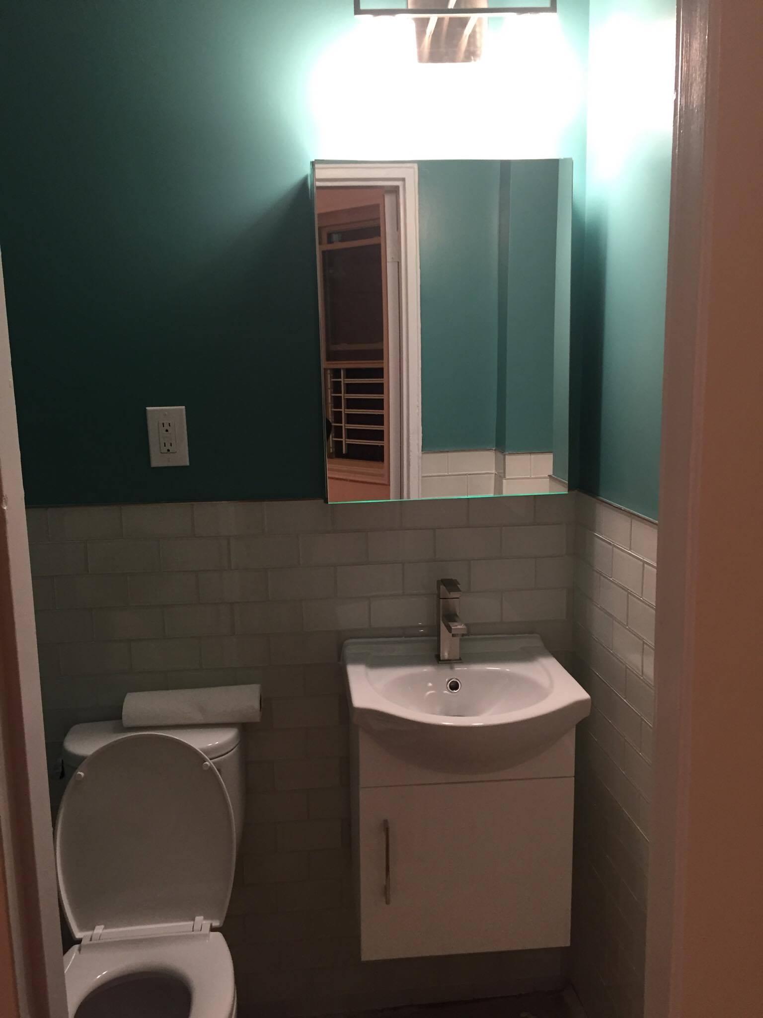 bathroom colleen after 4.jpg