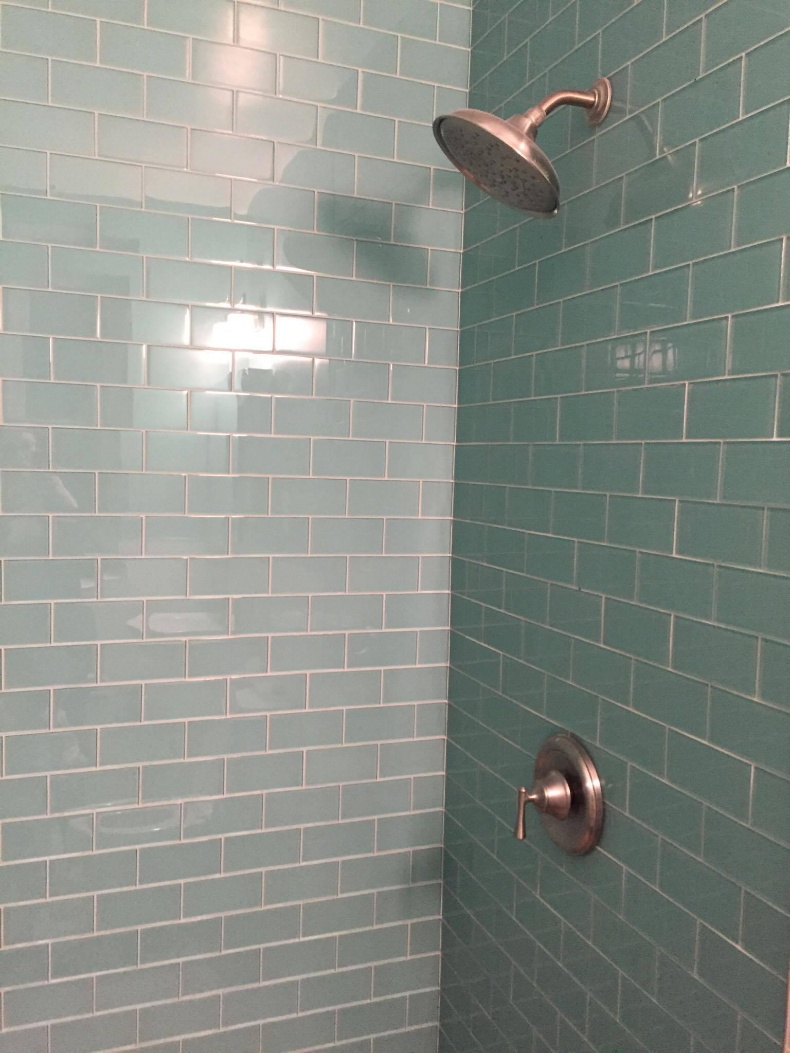 bathroom colleen after 3.jpg