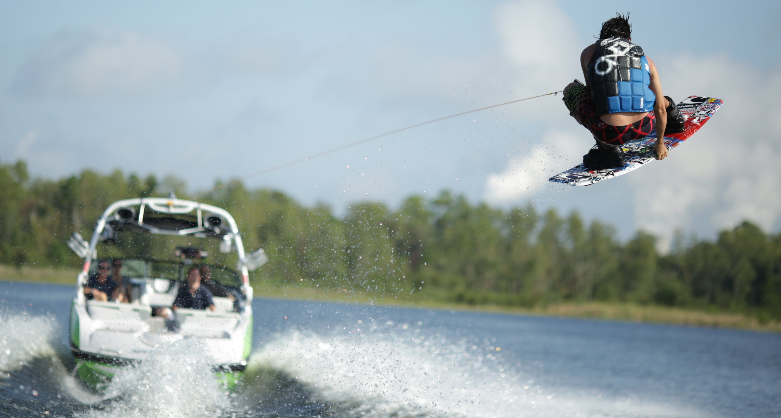 LTSM Wakeboats - LTS Marine's all-electric wakeboats are all the speed and fun of market-leading tow boats, without the fumes or harm to the environment.