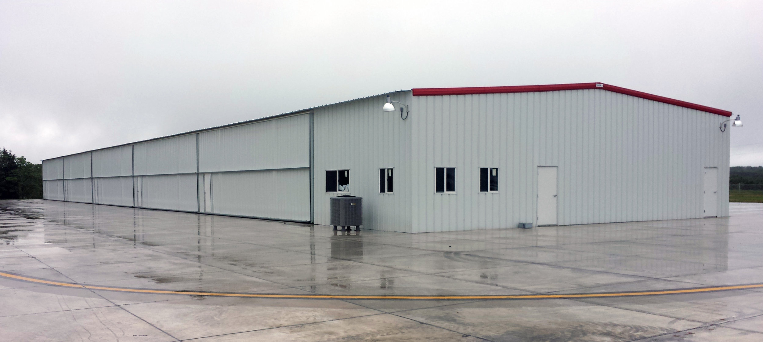 Houston Memorial Airport: New Hangar and Taxiway Extension