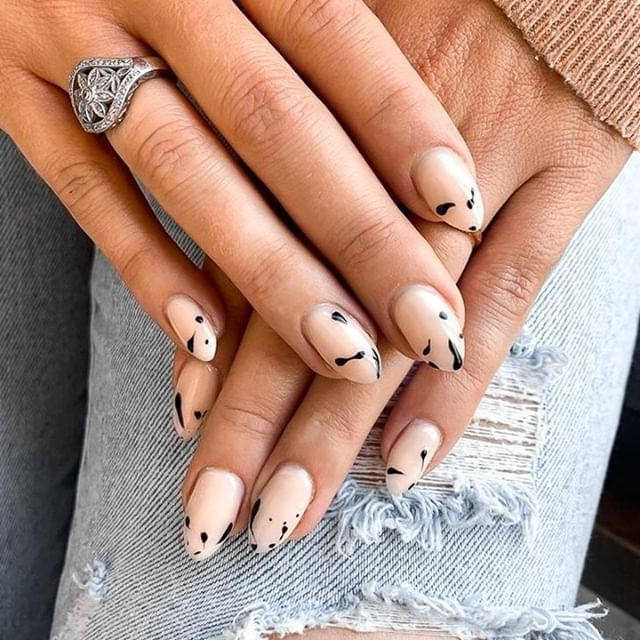Thoughts on the splattered nails look? Personally we are in love! . Nails by @meg_nailedit . . . . .  #beauty #nailart #nailpolish #manicure #style #cute #nailswag #notd #pretty #photooftheday #nailstagram #instanails #outfit #nailsofinstagram #jewelry #gelnails #naildesign #nailsoftheday #nail #fashion #nailtech #nails2inspire #nailsalon #nailartist #mani #polish #nailsonfleek