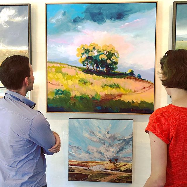 What do #OranaRegion creatives do with their Tuesday off? Go and see inspiring art of course!  Today we've taken a road trip to see the @paperpear #popup in Orange at the @cornerstoregallery - a beautifully curated collection of work by many #regionalartists, including #Mudgee artists @charles_smith_art and @sampaine.  #oranaartsontour #howdyneighbours #popupexhibition #regionalarts #orangensw #paperpear #waggawagga @artsoutwest @easternriverinaarts #roadtrip #artsexcursion