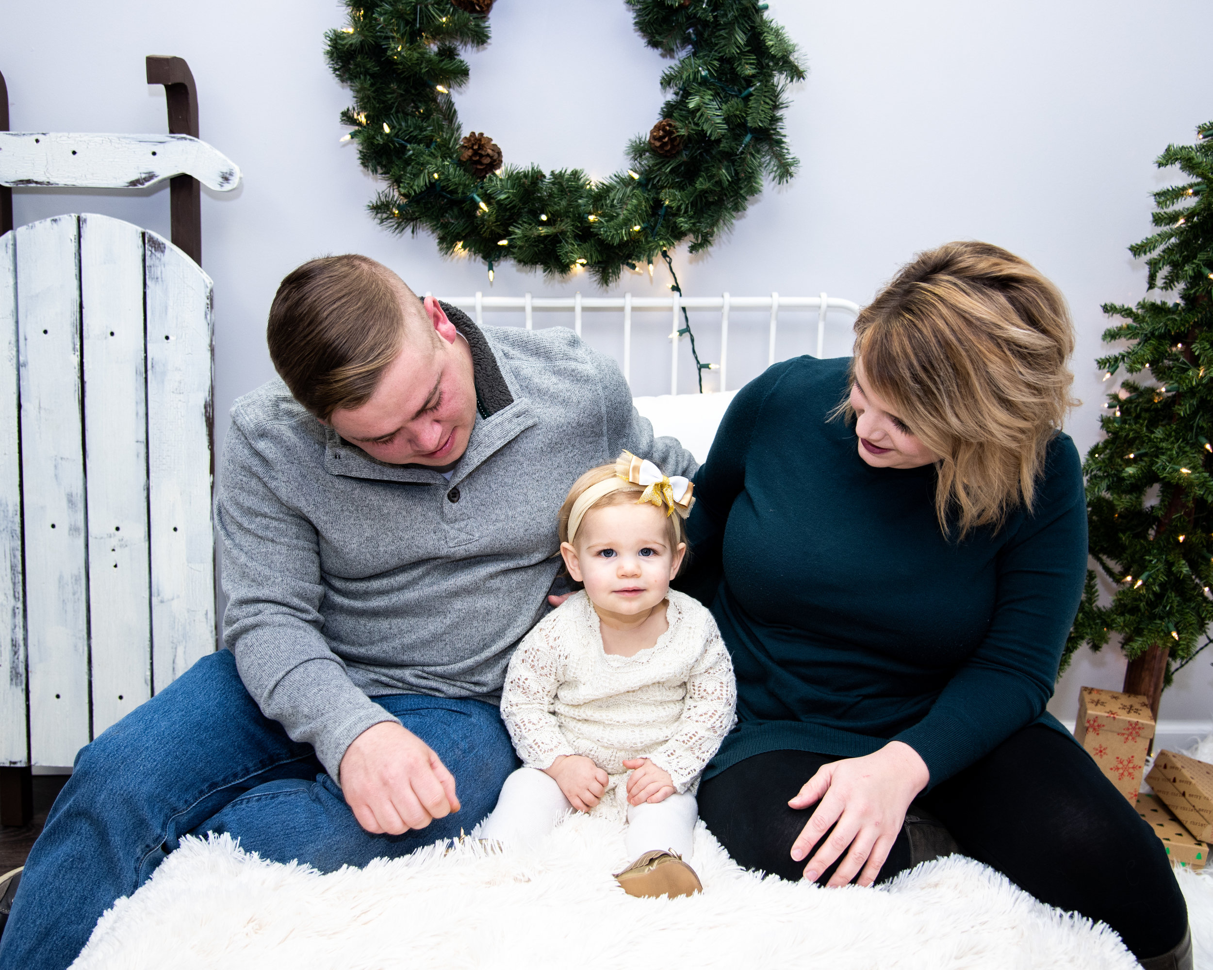 Kyla Jo Photography // Muncie. Indiana // Midwest Photographer // Studio Photography // Christmas Family Session