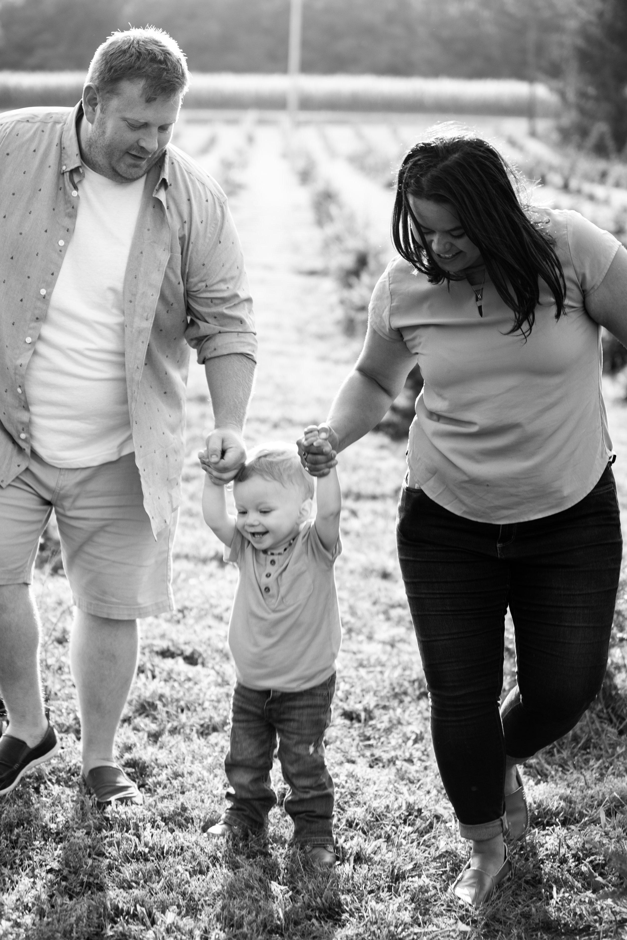 Kyla Jo Photography Muncie Indiana Family Photographer . Whitetail Tree Farm