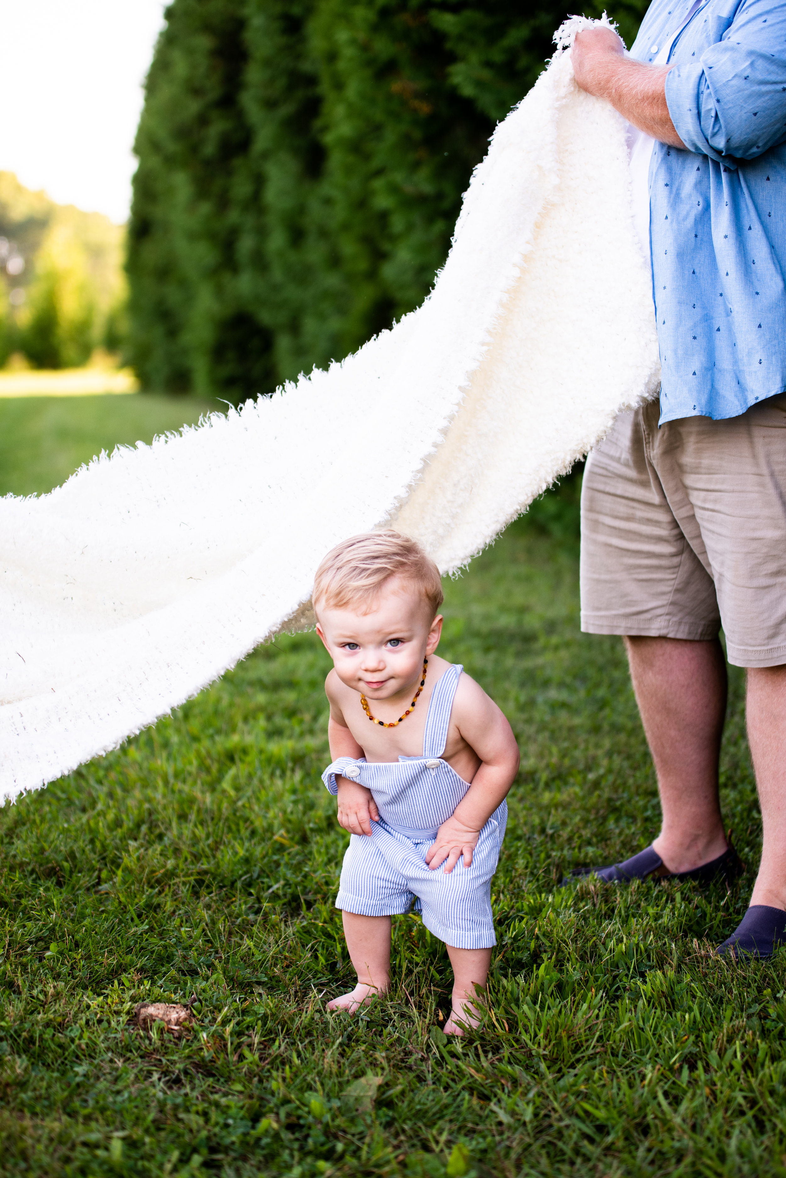 Kyla Jo Photography Muncie Indiana Playful Prompts with Children // Bib Overall Outfit
