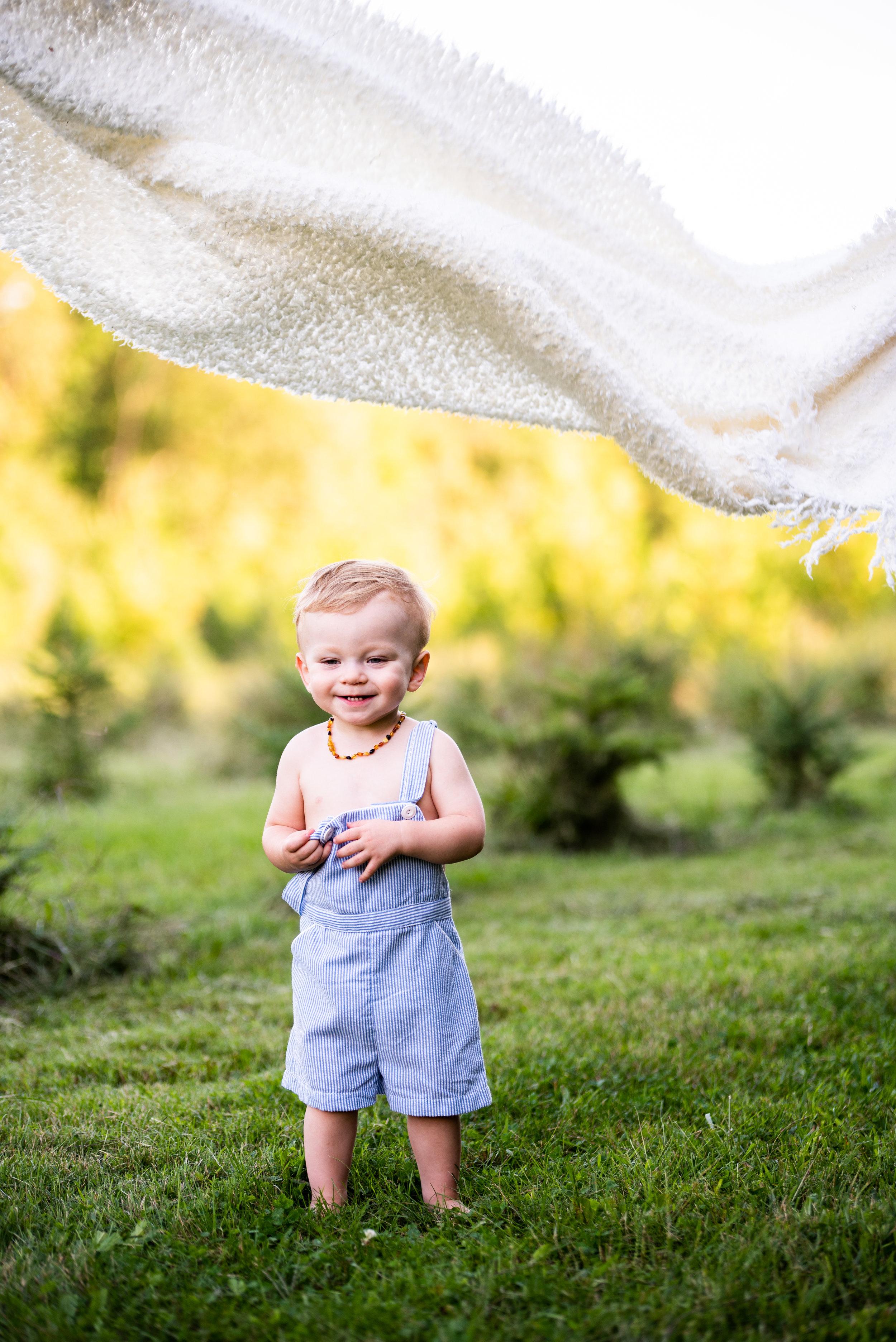 Kyla Jo Photography Muncie Indiana Playful children Poses