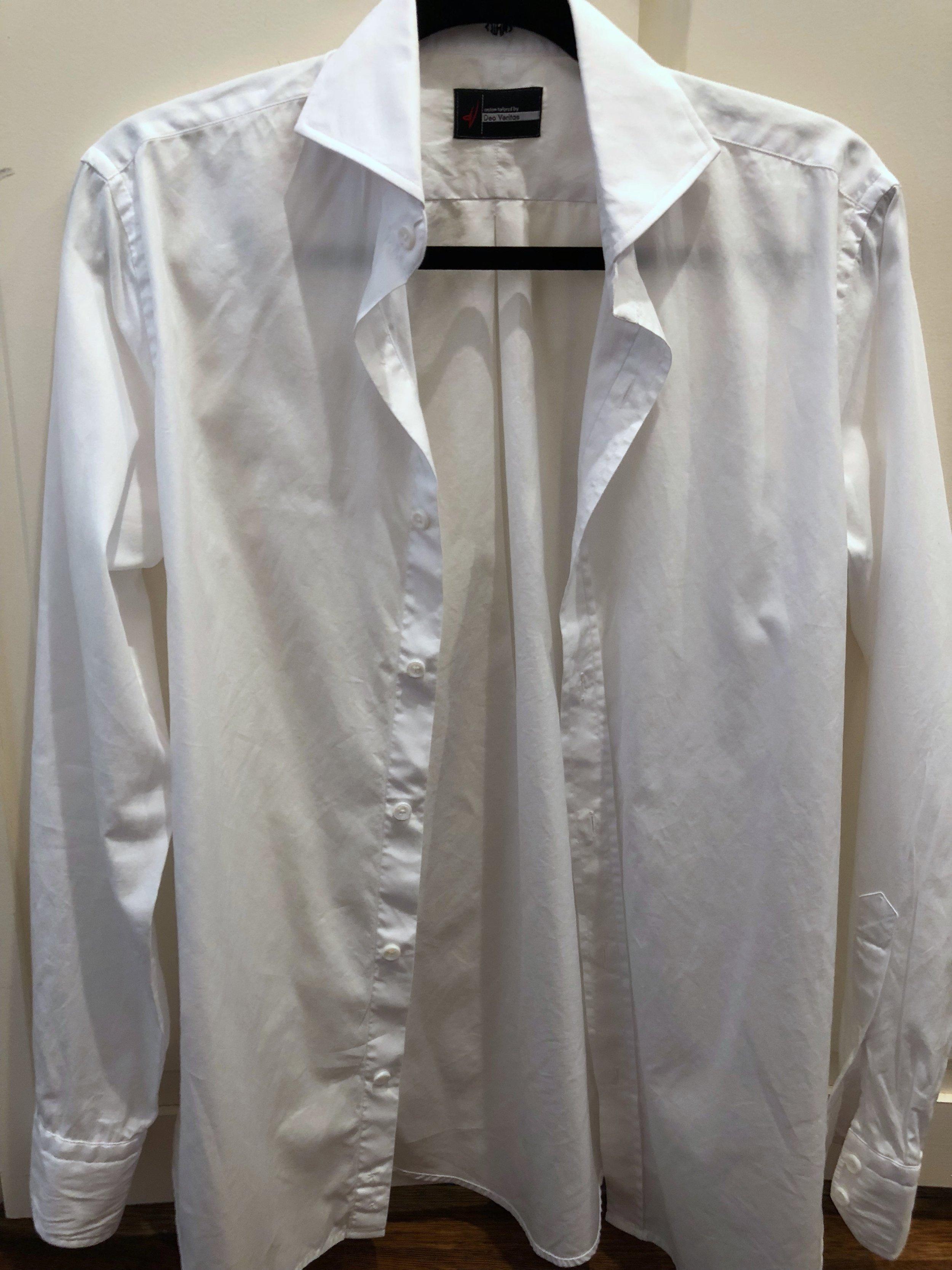 The white dress shirt