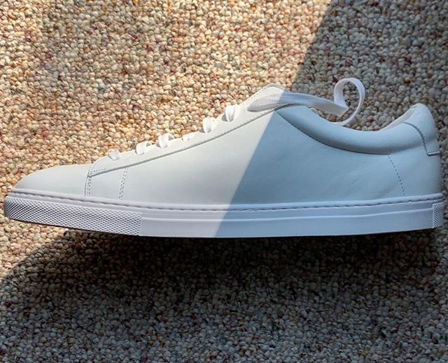 Is this the ultimate white leather sneaker? For the price, we sure as heck think it is. Nothing is quite as sleek or high quality at this price point. Read our full review of @olivercabell at ThePeakLapel.com