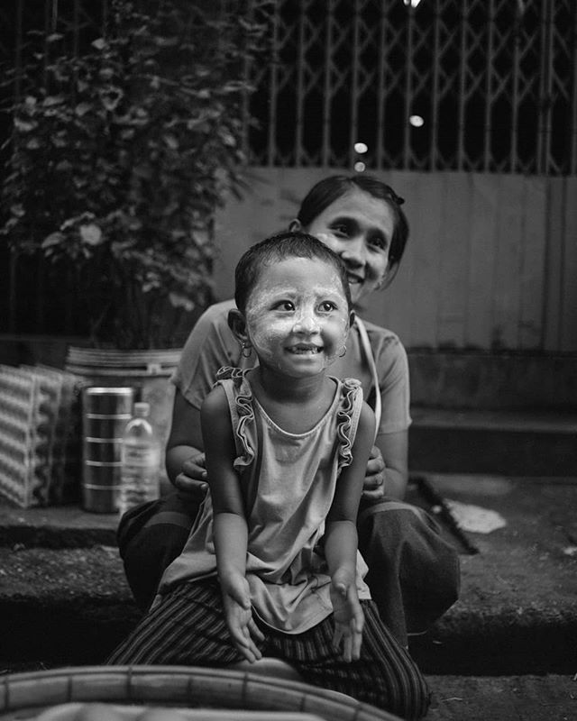 Selling eggs. . A mother and daughter sell eggs on the streets of Yangon, Myanmar. . #streetphotographyworldwide  #streetphotography